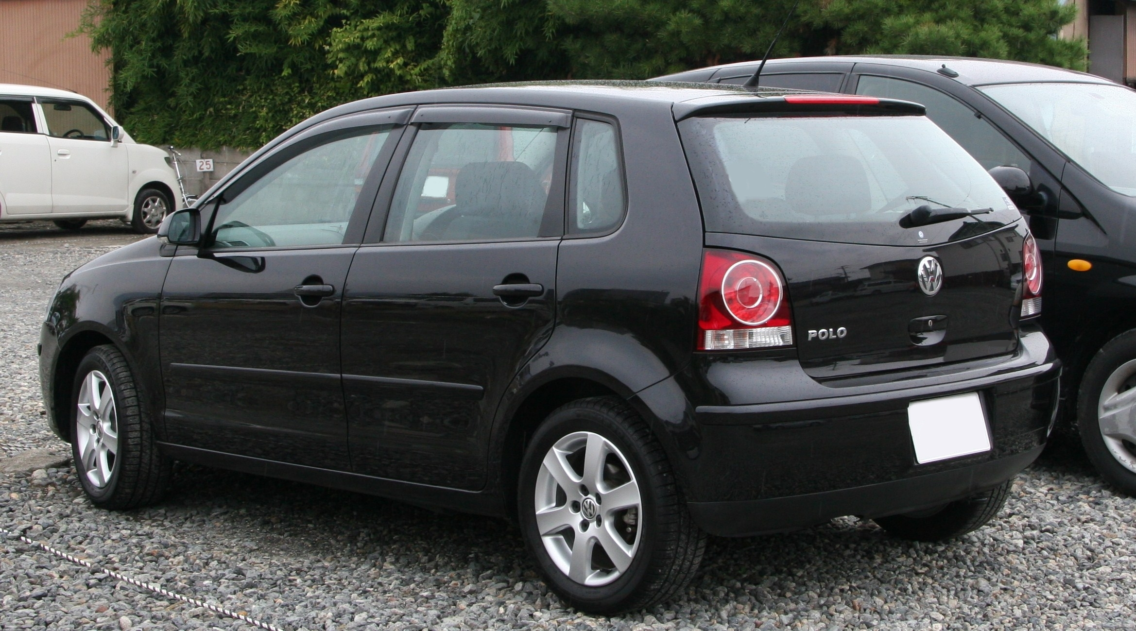 What Does Volkswagen Own >> File:2005-2009 Volkswagen Polo rear.jpg - Wikimedia Commons