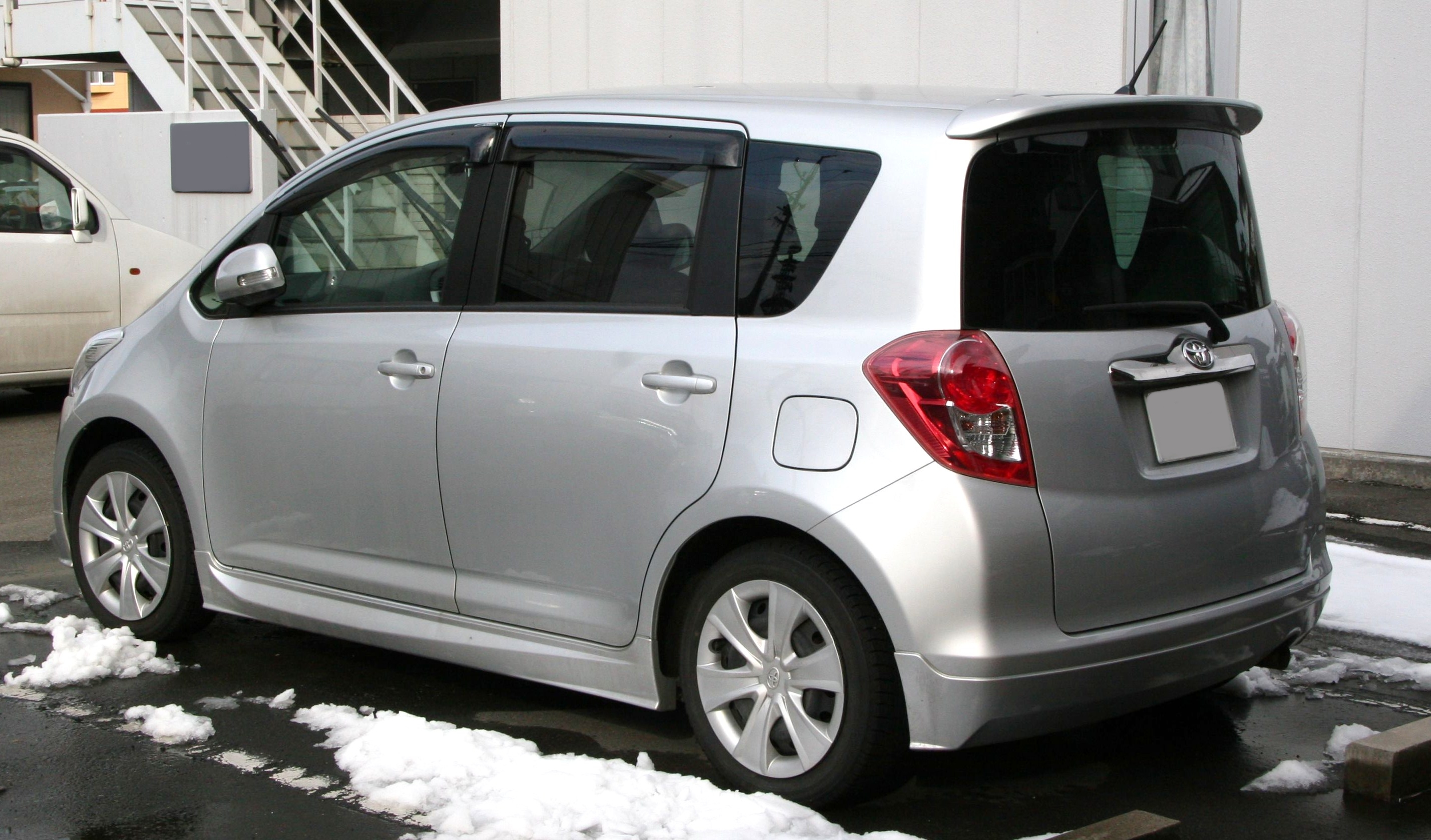 File 2007 Toyota Ractis 2 Rear Jpg Wikimedia Commons