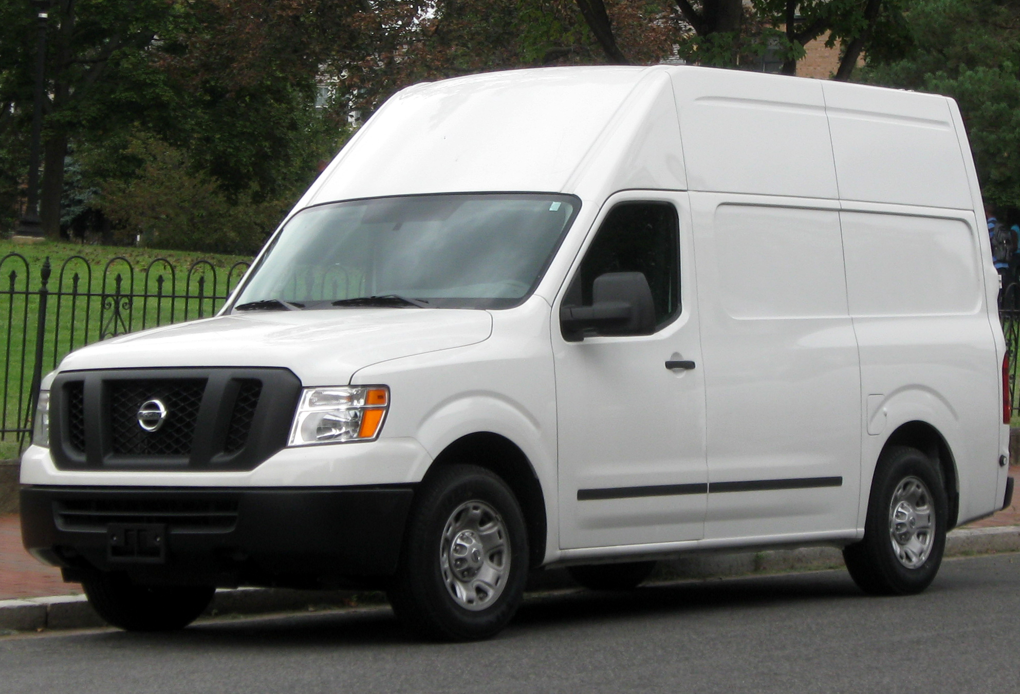 File:2012 Nissan NV 2500 HD -- 09-15-2011.jpg - Wikimedia Commons