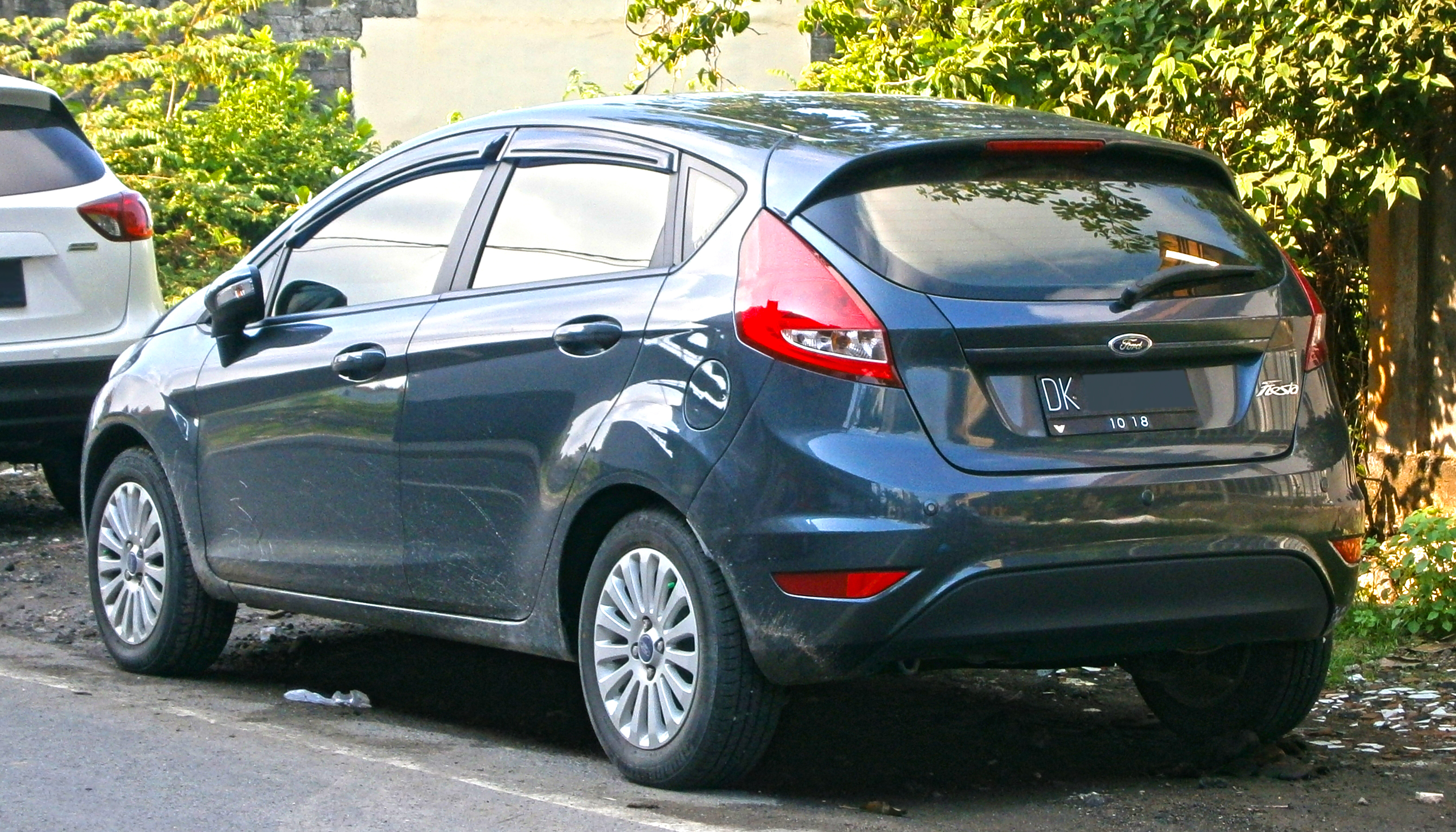 File2013 ford fiesta 1 4l trend in kuta bali indonesia 02