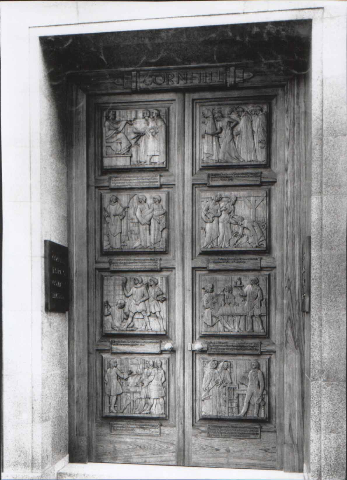 Superbe File:32 Cornhill. London. Carved Doors. 1938