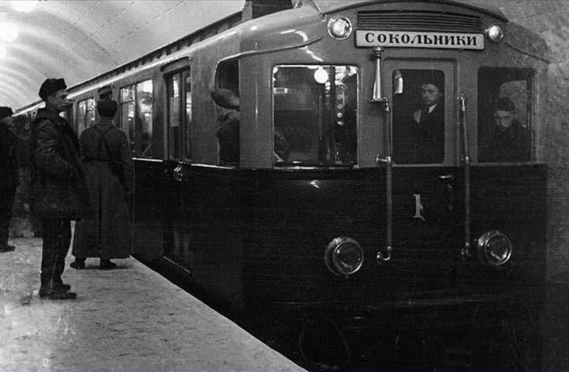 A-1 train on the subway station Okhotny Ryad