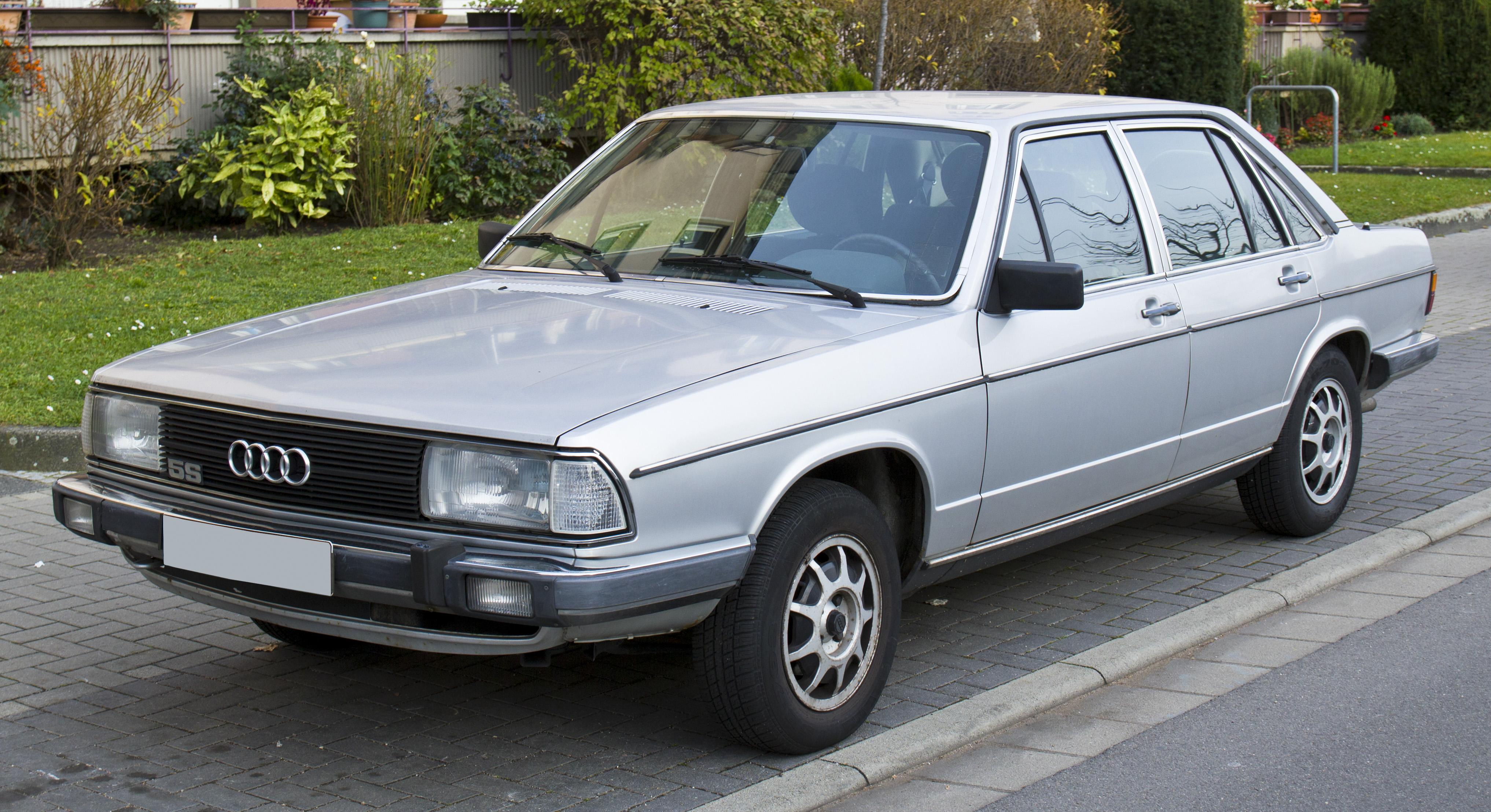 Audi 100 C2 Front 20101120