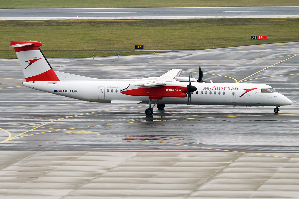 Bildresultat för austrian airlines dash 8 q400