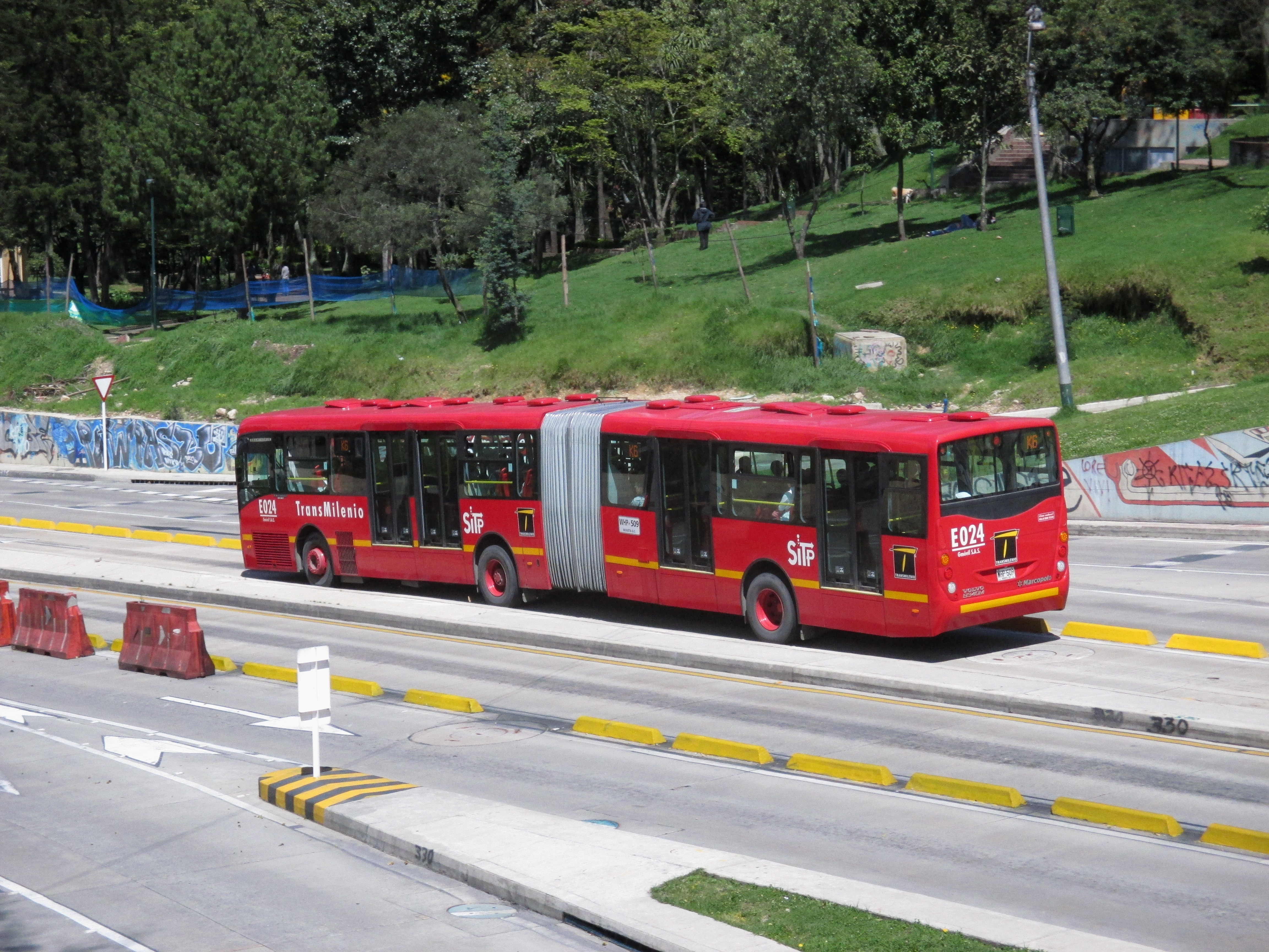 File Avenida Calle 26 Carrera 5 Bus Transmilenio Jpg Wikimedia Commons