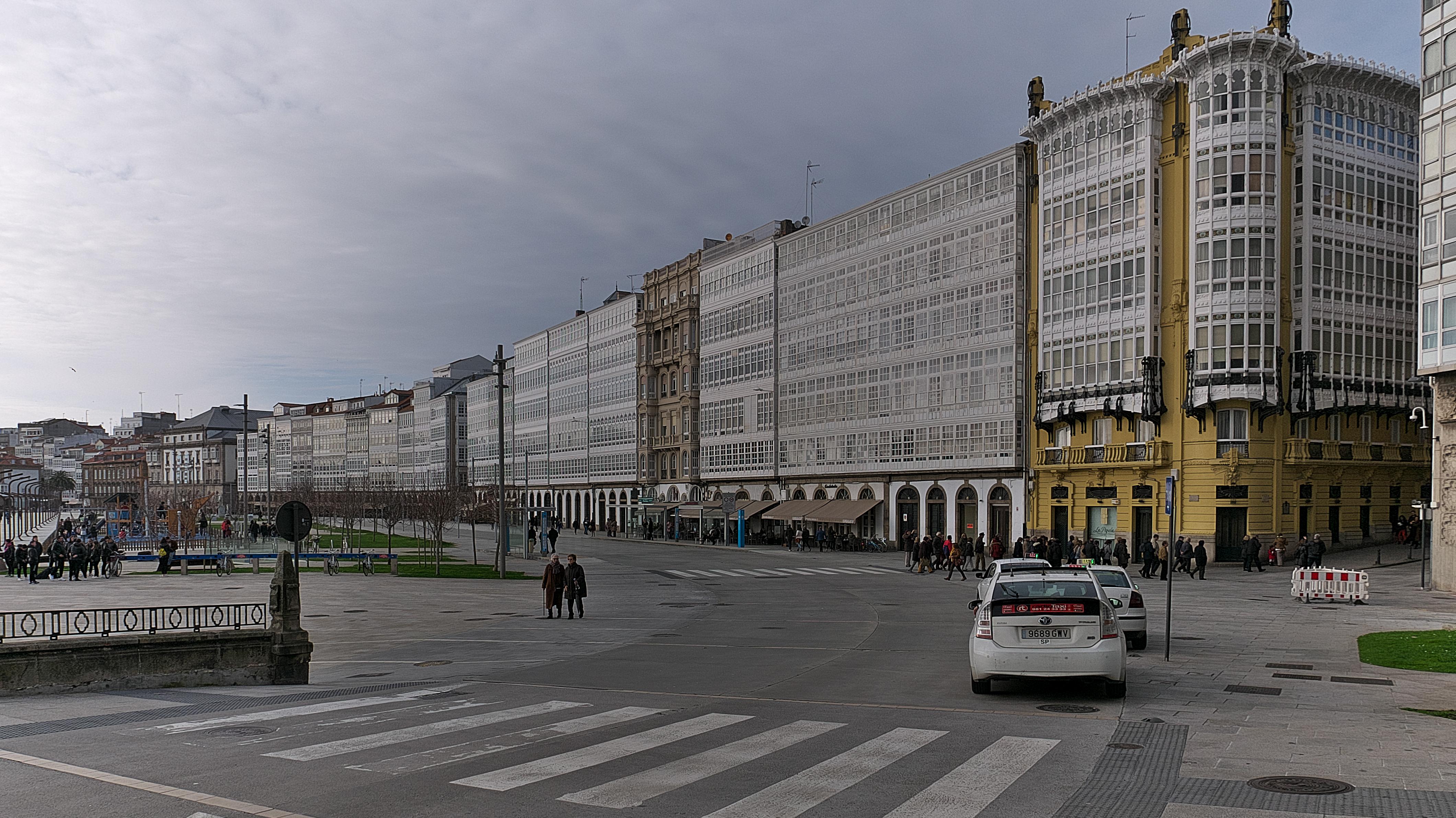 File Avenida De La Marina La Coruña Jpg Wikimedia Commons