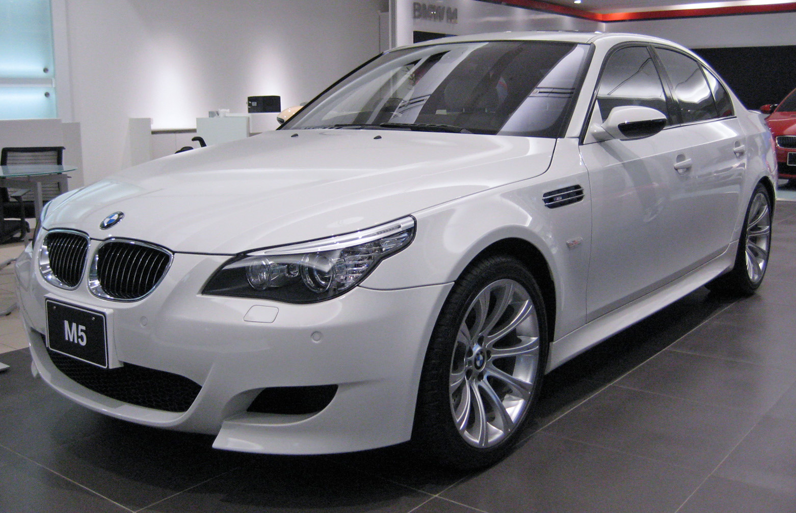File:BMW E60 M5 1.JPG - Wikimedia Commons