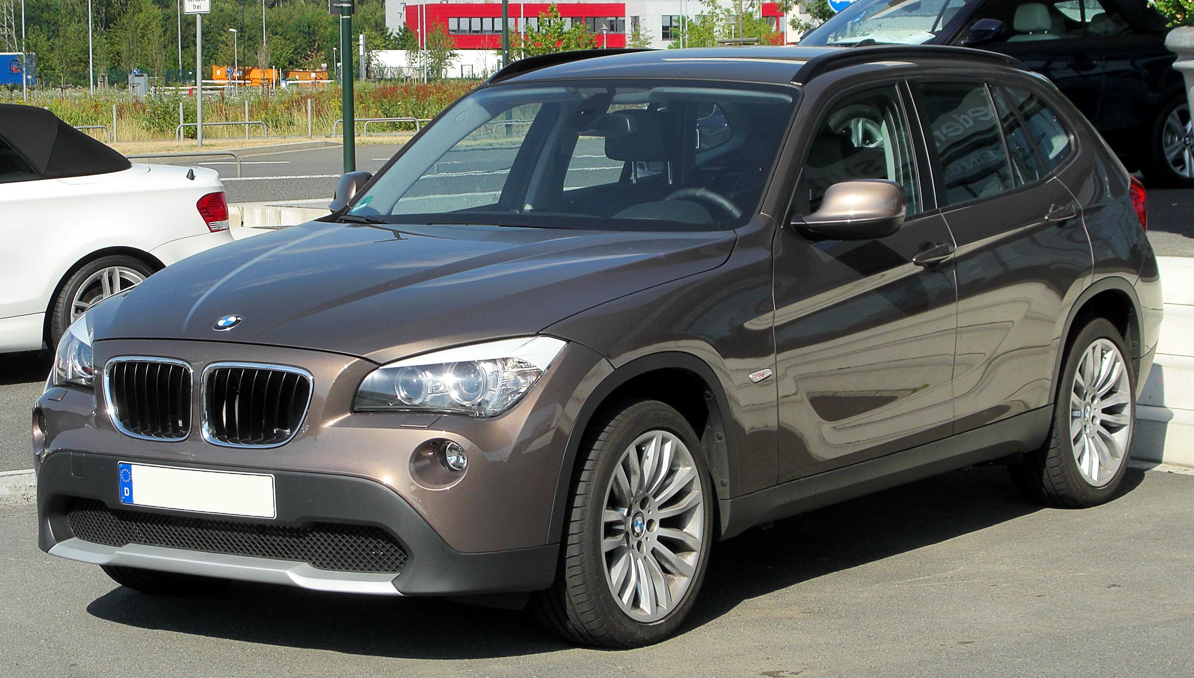 BMW_X1_front-1_20100718.jpg