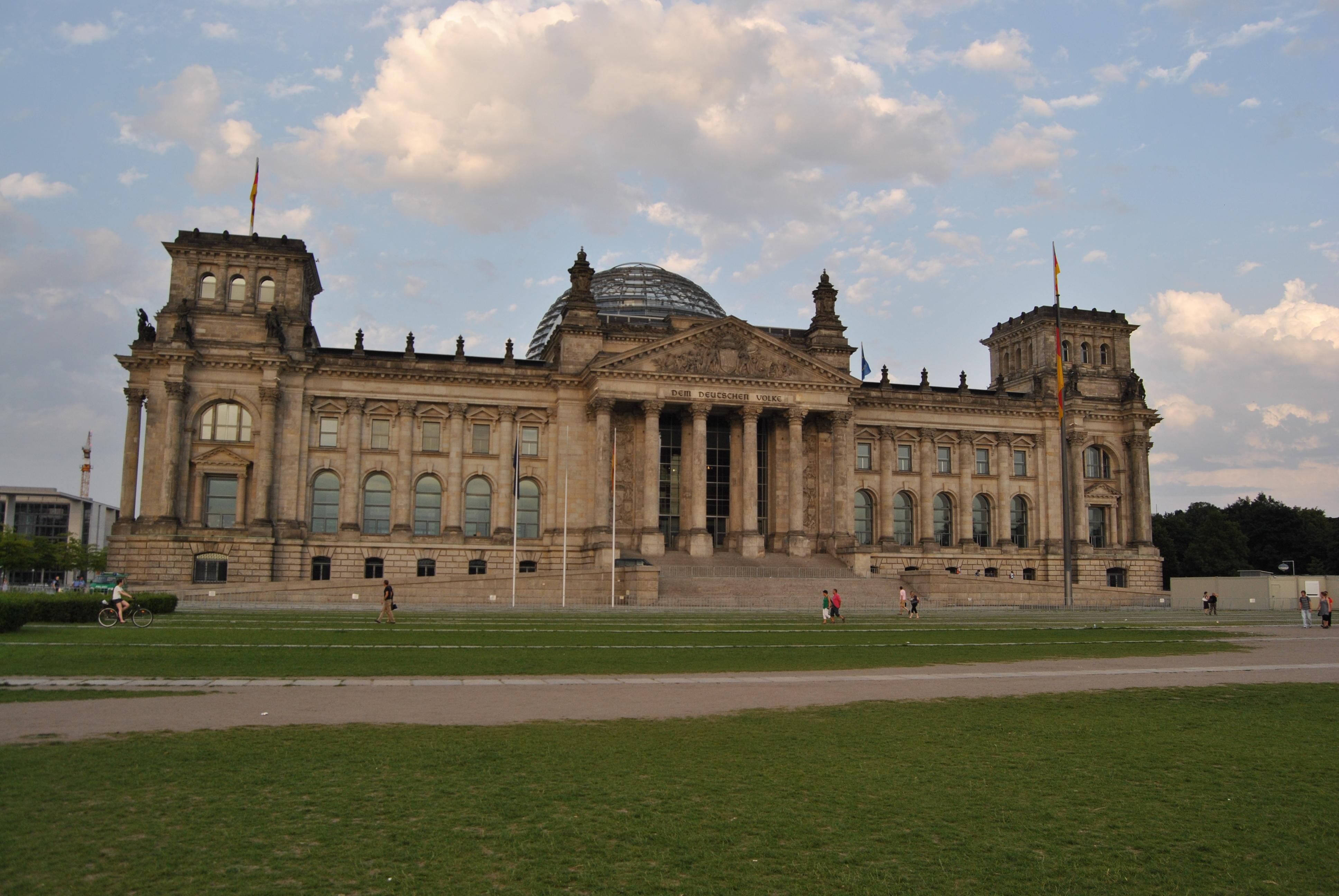 File:Berlin, Reichstagsgebäude, 2012-06 CN-01.jpg ...  File:Berlin, Re...