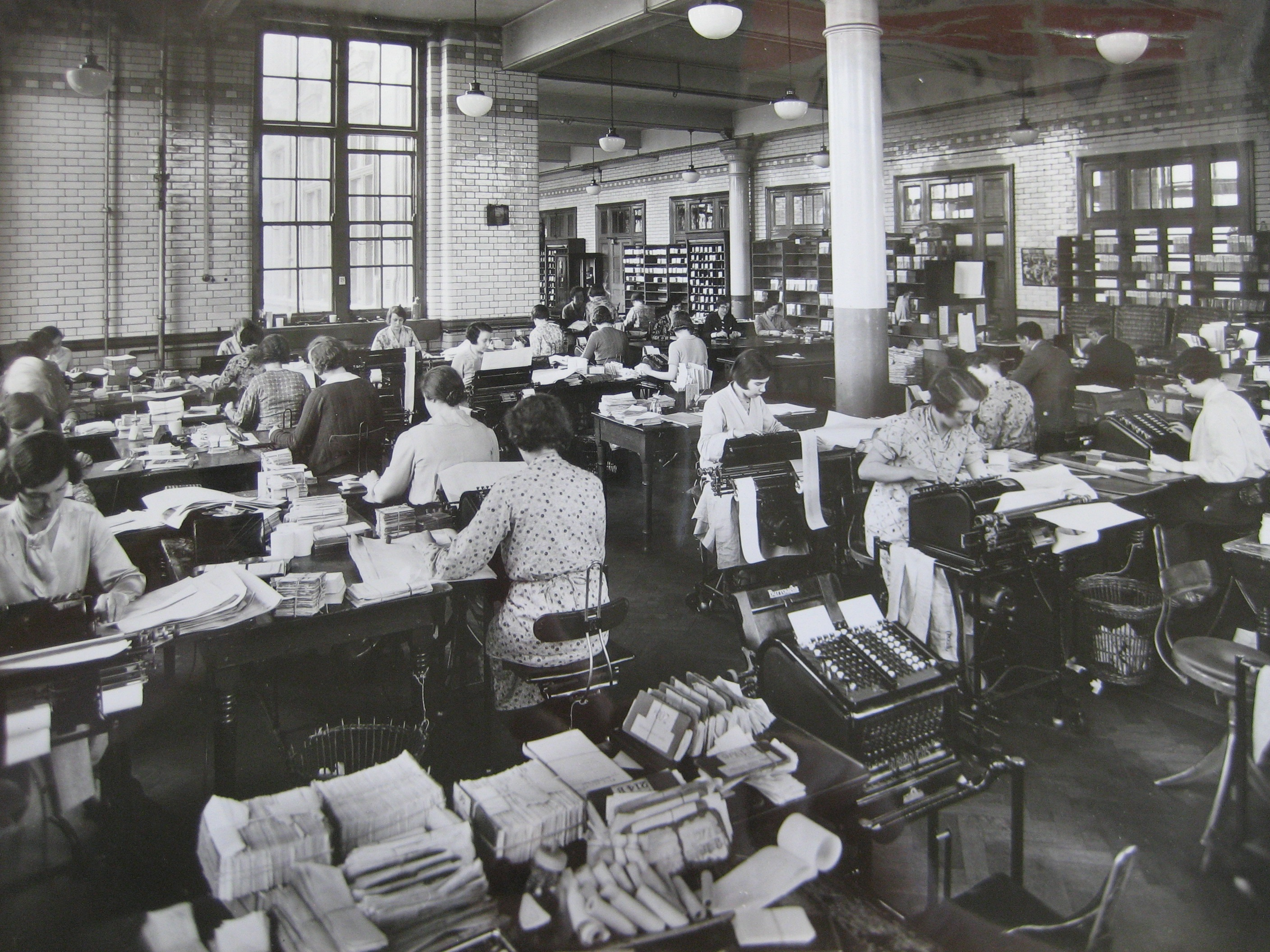 File Blythe House Preparing Totals For Daily Balance 1930s