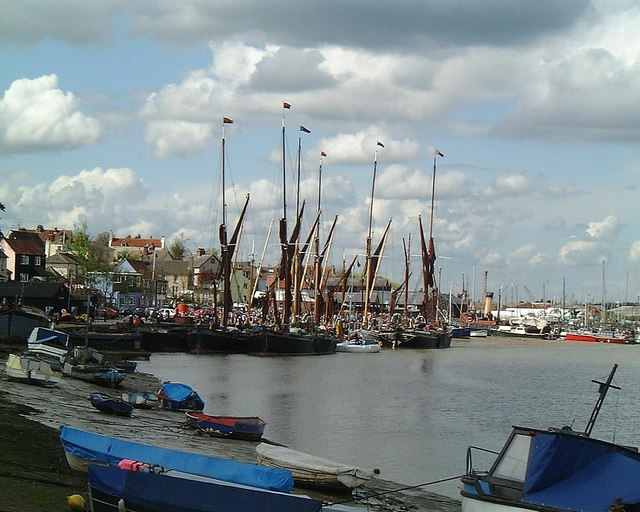 File:Boats in the distance at Maldon, Essex - geograph.org.uk - 833314.jpg