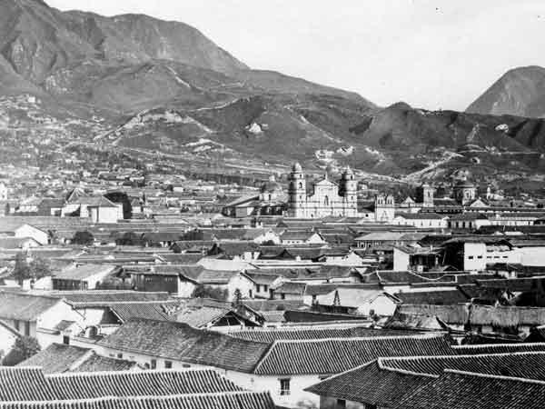 File:Bogotá in 1868 (3686435-2).jpg
