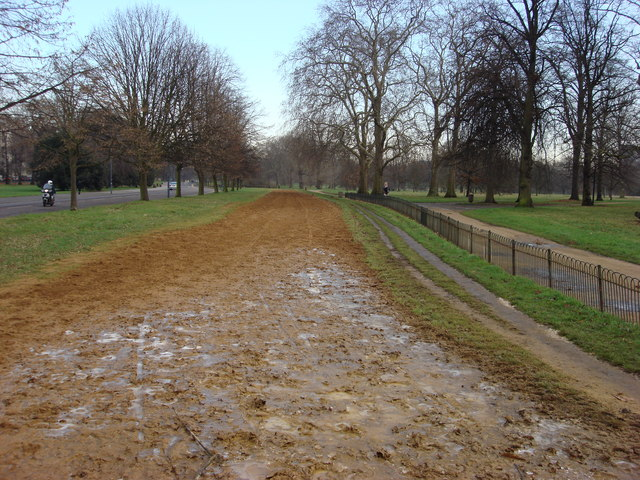 Bridleway in Hyde Park - geograph.org.uk - 654518