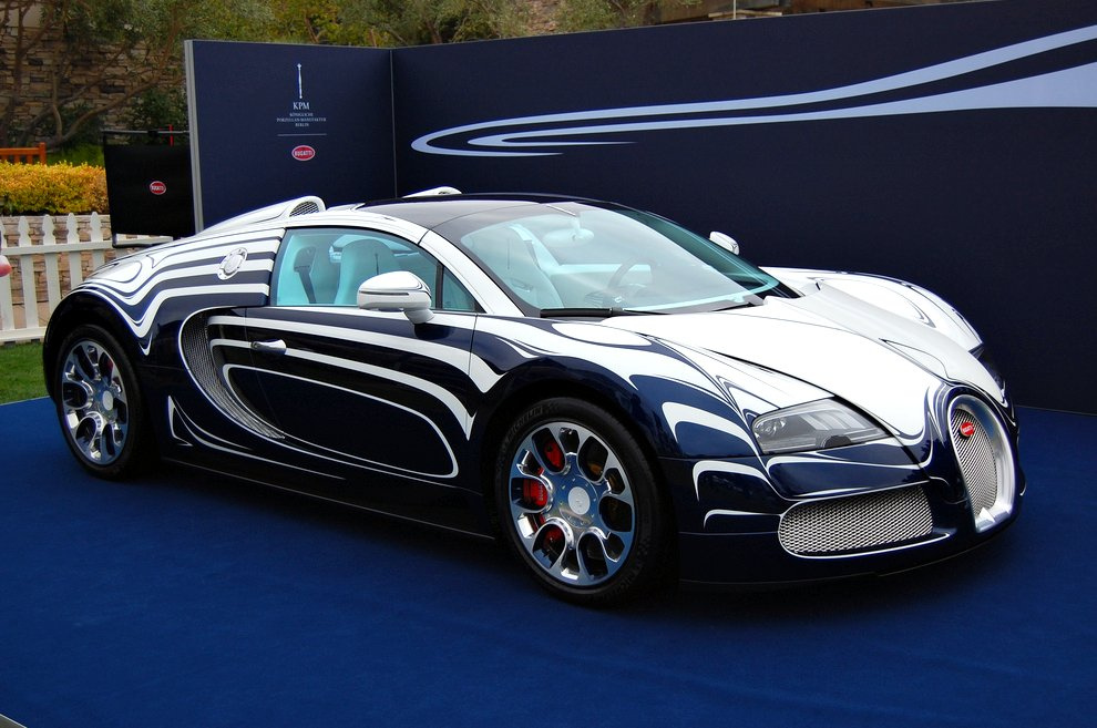 bugatti veyron grand sport l 39 or blanc photos drive away 2day. Black Bedroom Furniture Sets. Home Design Ideas