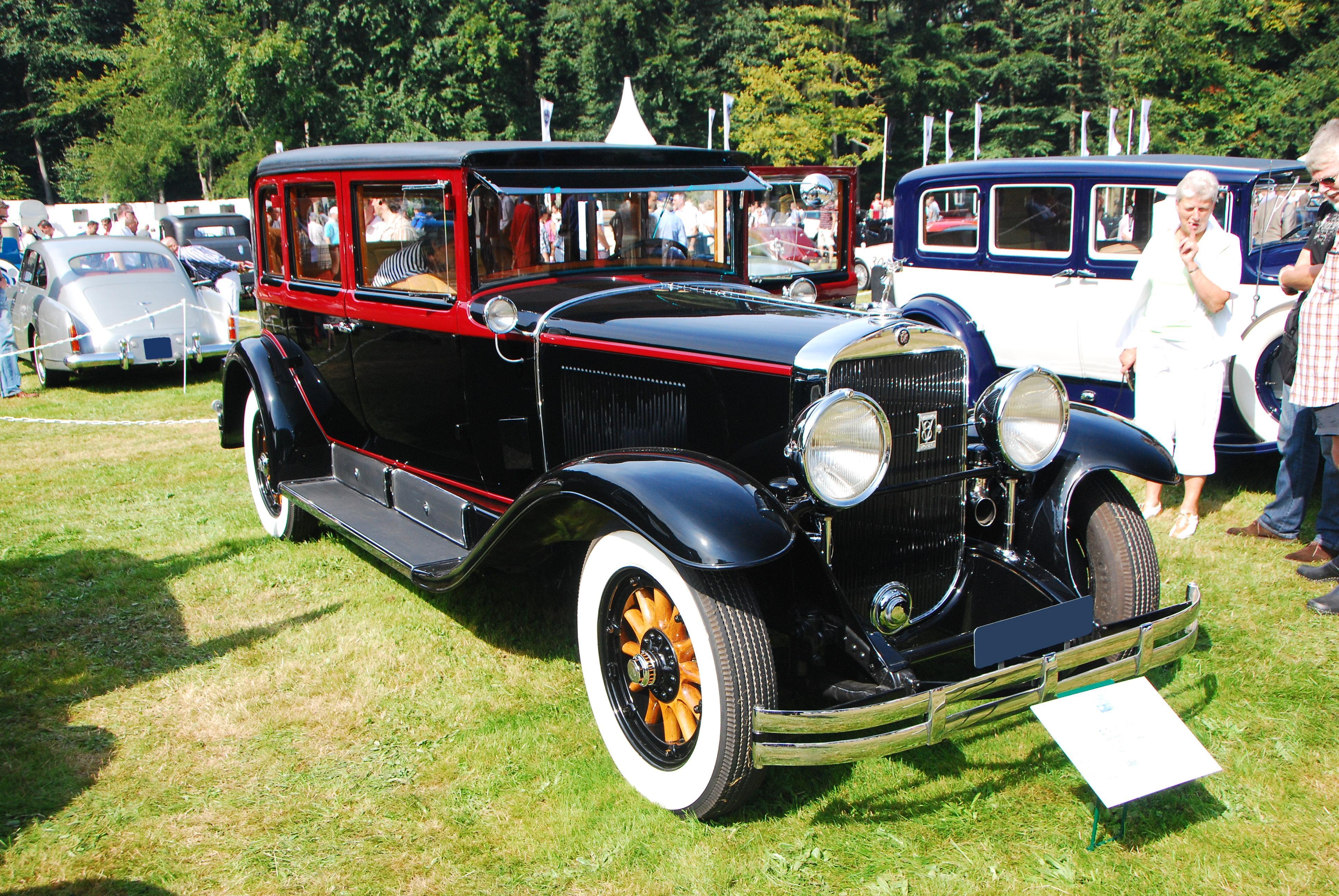 File:Cadillac 341-a.jpg - Wikimedia Commons