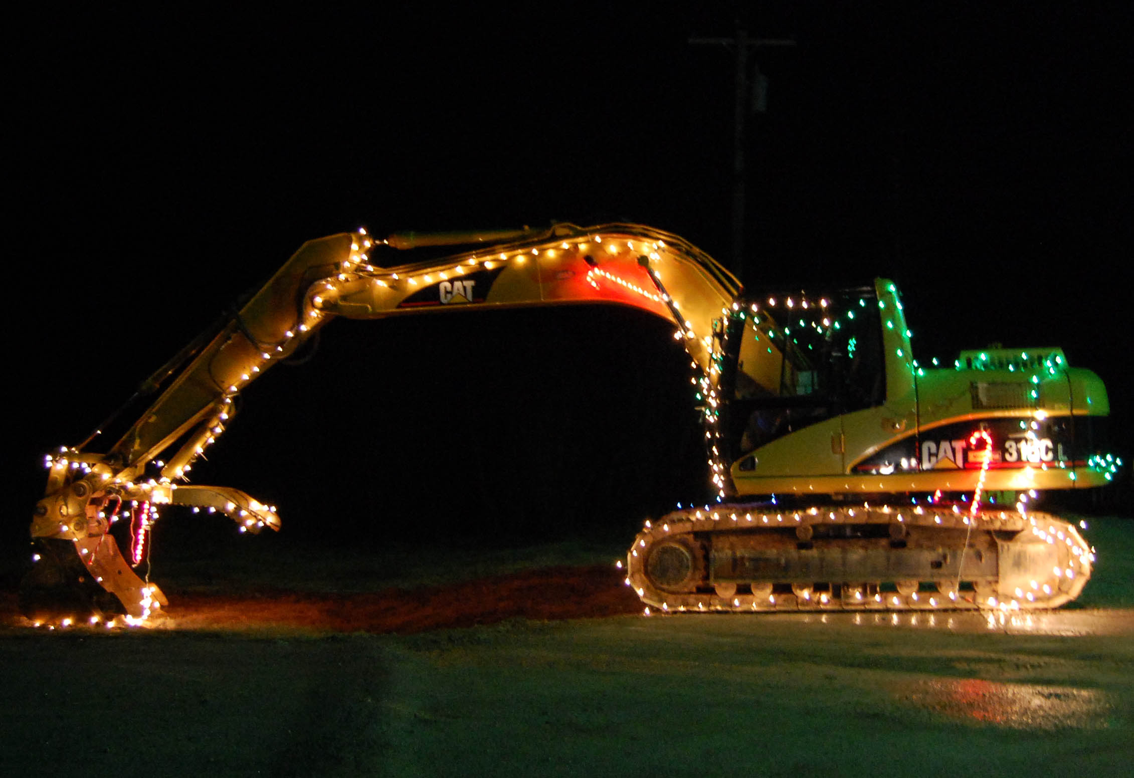 File Caterpillar Excavator  Christmas Lights Jpg