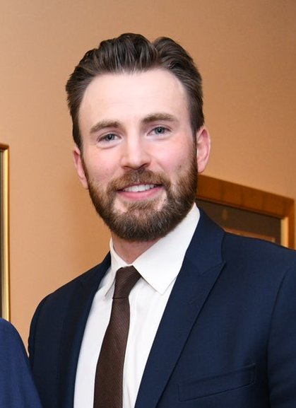 The 39-year old son of father Robert Evans and mother Lisa Evans Chris Evans in 2021 photo. Chris Evans earned a 26 million dollar salary - leaving the net worth at 82 million in 2021