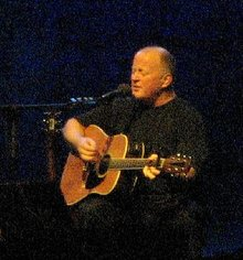 Description de l'image  Christy Moore in Vicar Street.jpg.