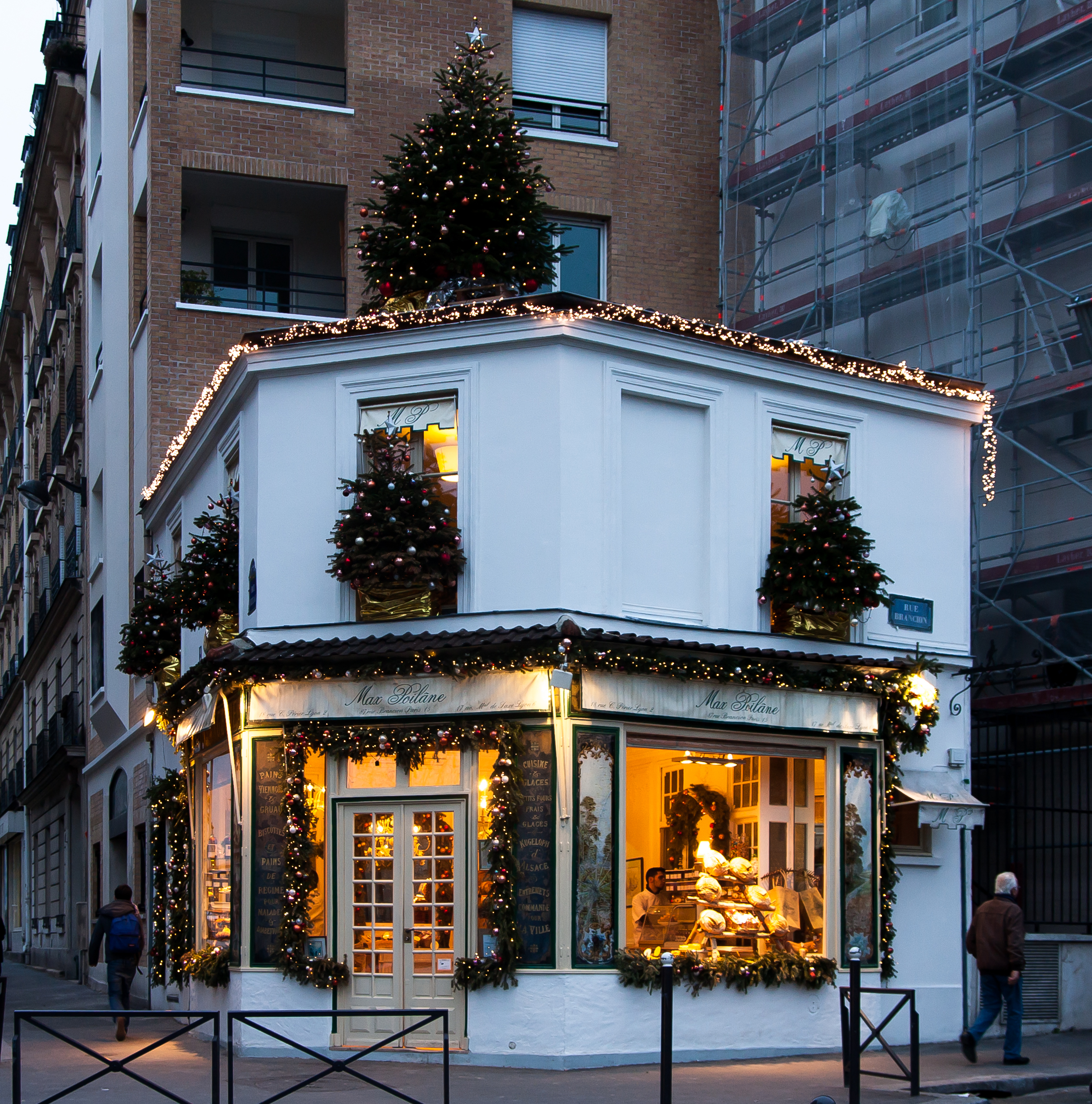 File d coration de no l chez poil ne 2 for Boutique decoration paris