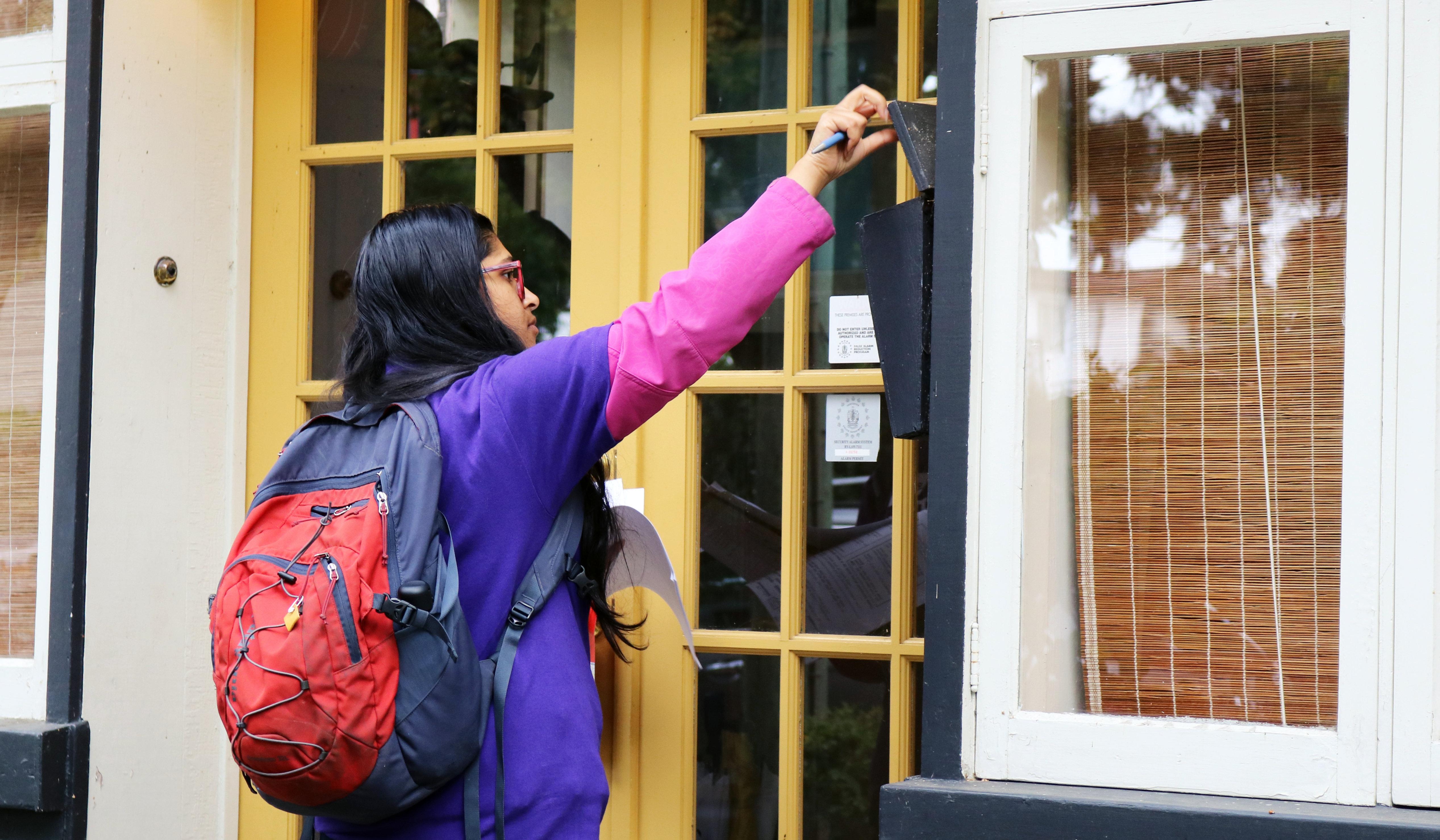 File:Door knocking for Jody Wilson Raybould (48911105817).jpg - Wikimedia  Commons