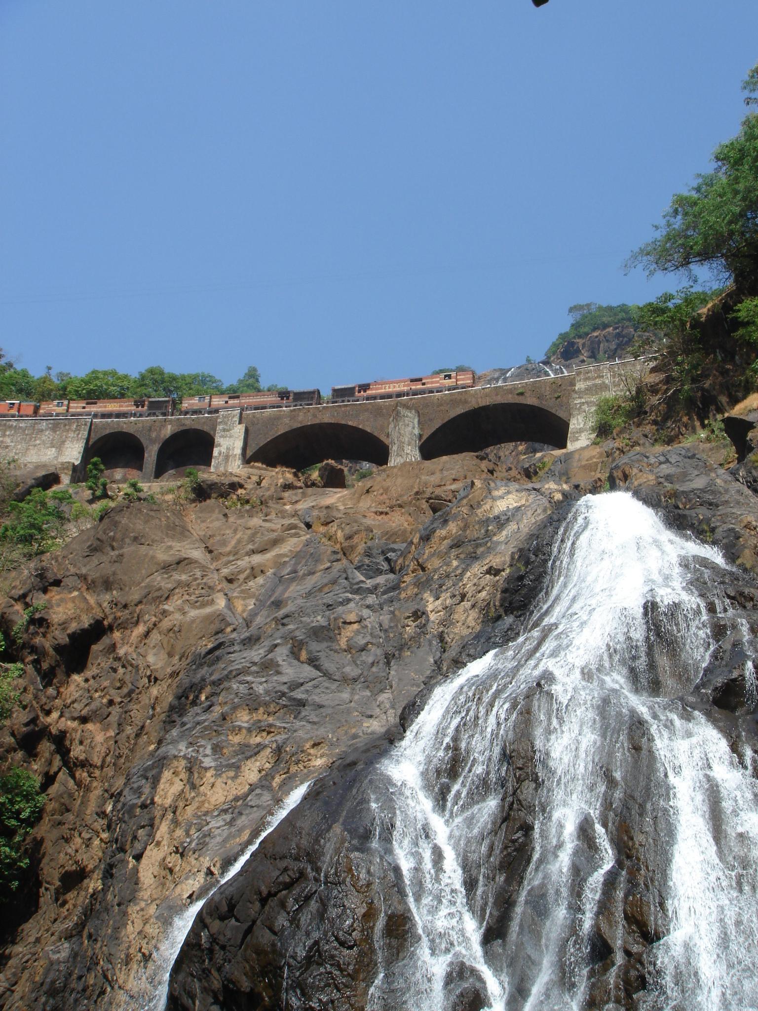 Lower half of the falls.