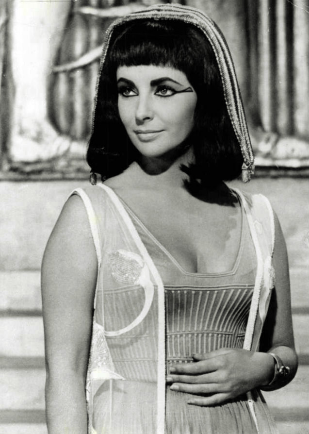 File:Elizabeth Taylor Cleopatra 1963.JPG - Wikimedia Commons