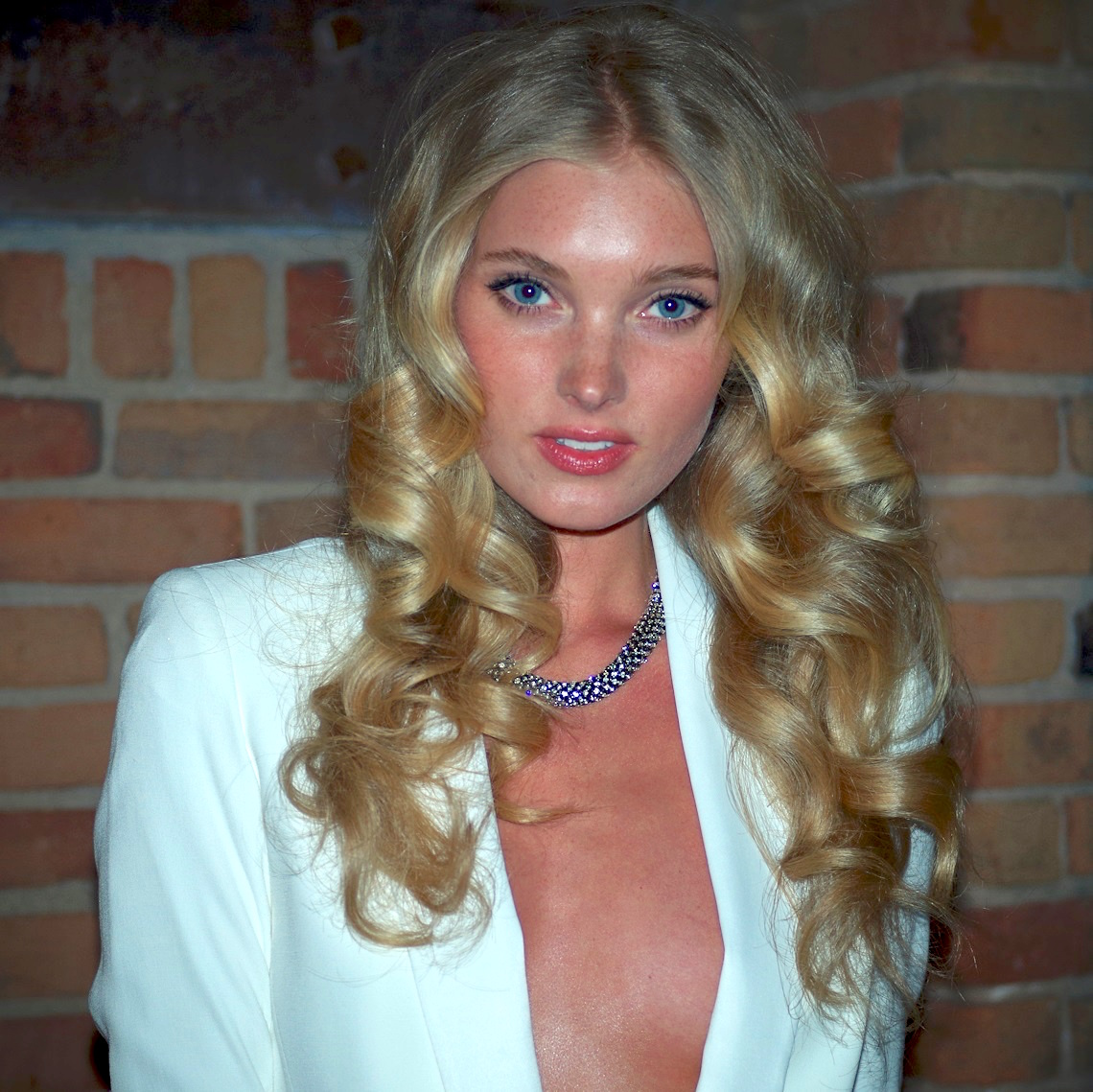 The 31-year old daughter of father Pål Hosk and mother Marja Hosk Elsa Hosk in 2020 photo. Elsa Hosk earned a million dollar salary - leaving the net worth at 1.5 million in 2020