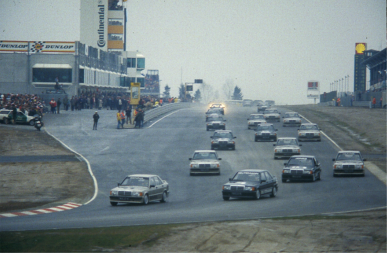 Senna führt beim Nürburgring Race of Champions