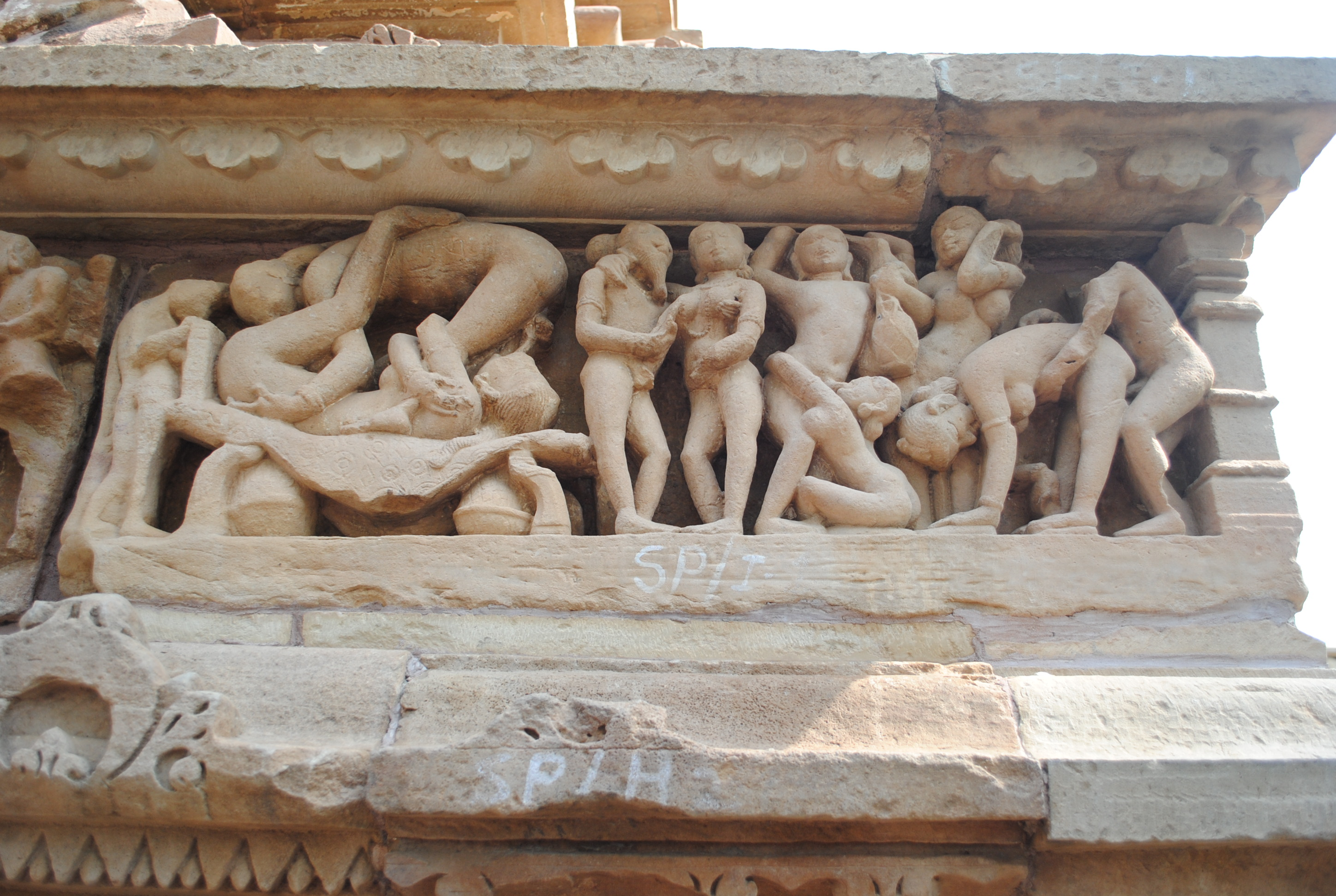 Erotic scene frieze, Lakshmana Temple, Khajuraho. Image: Kkavita CC BY-SA 4.0 Wikipedia Commons