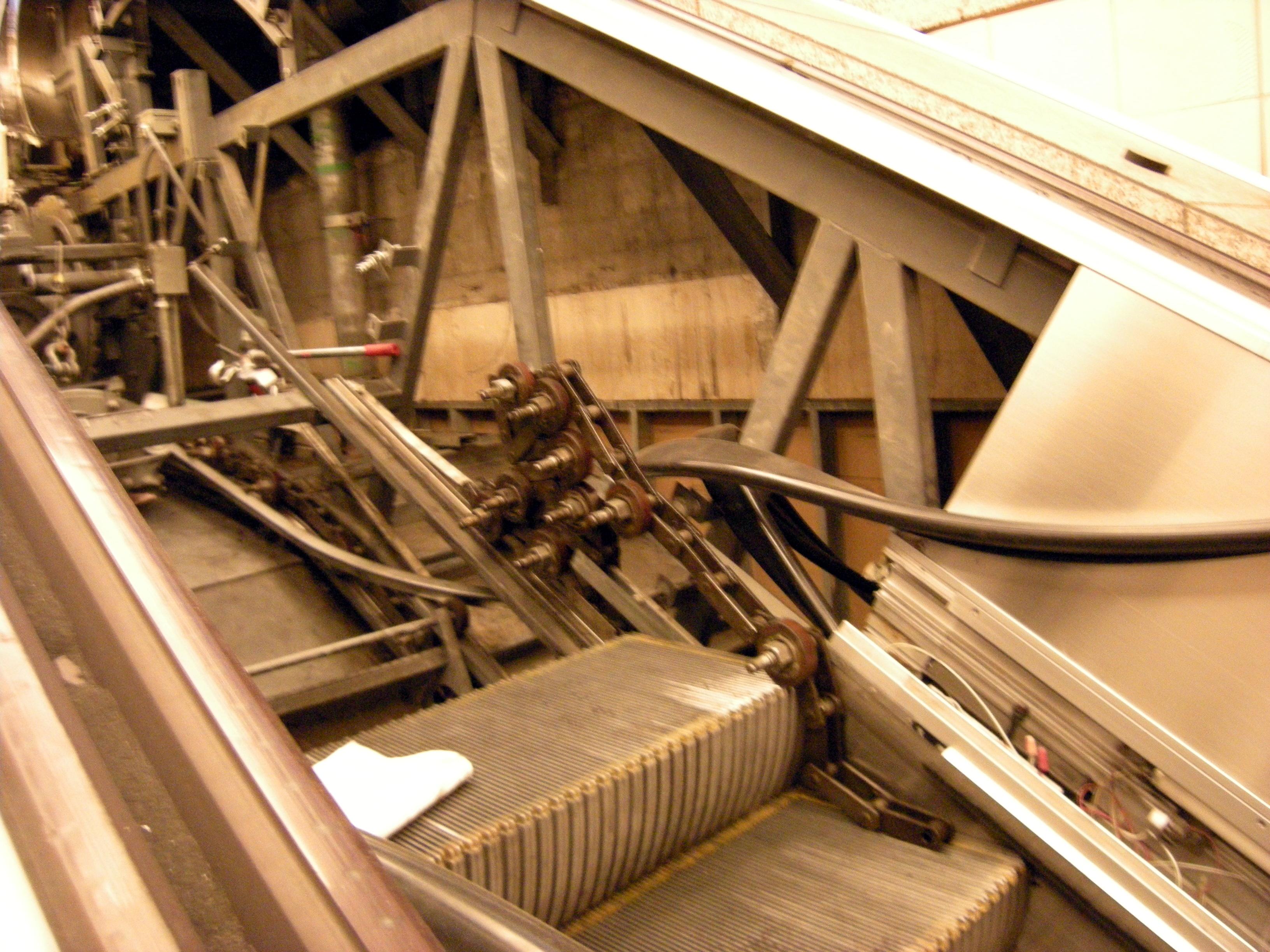 fileescalator mechanism 04jpg wikimedia commons