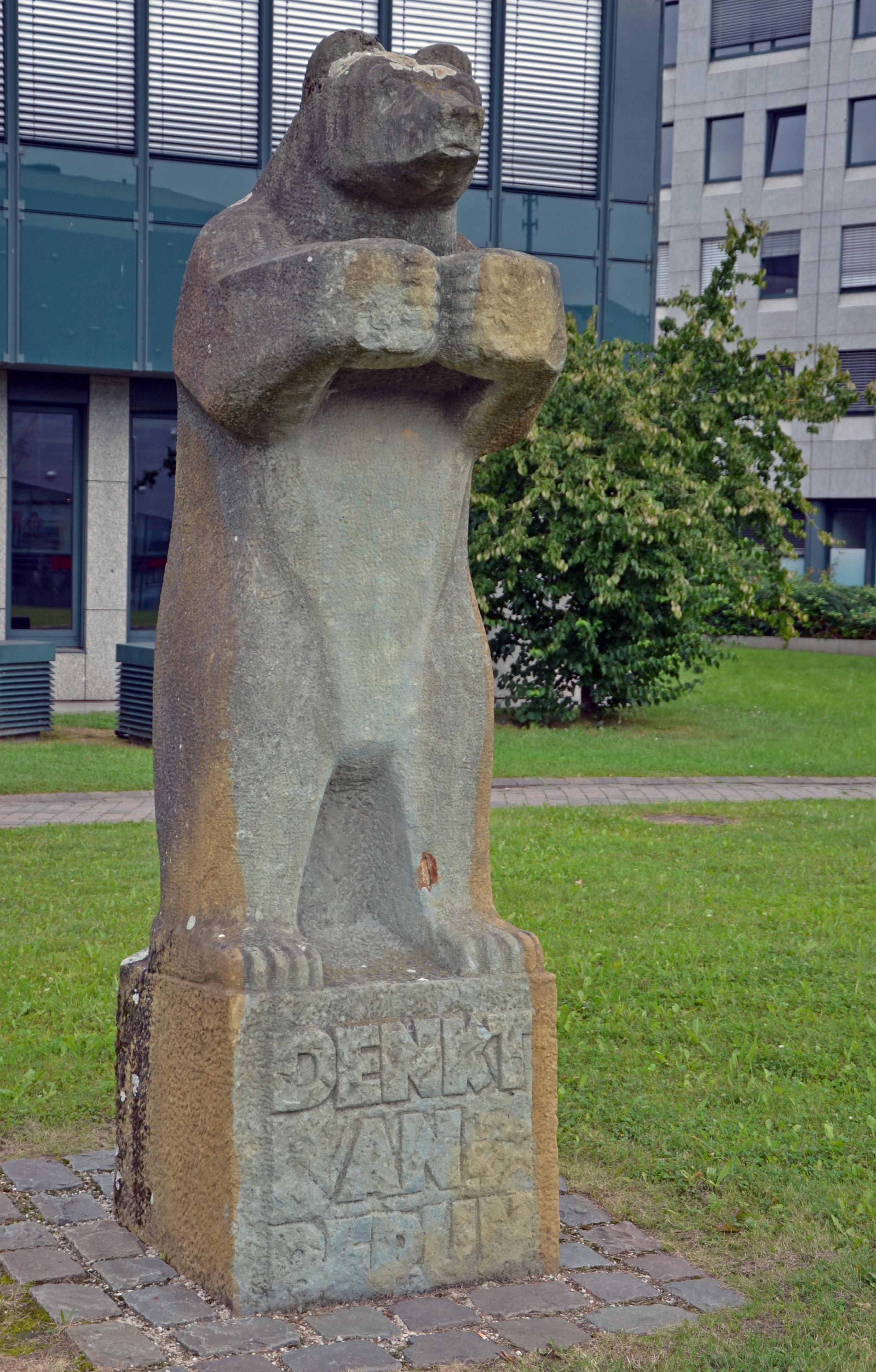 Dateiessen Berliner Bär Am Berliner Platzjpg Wikipedia
