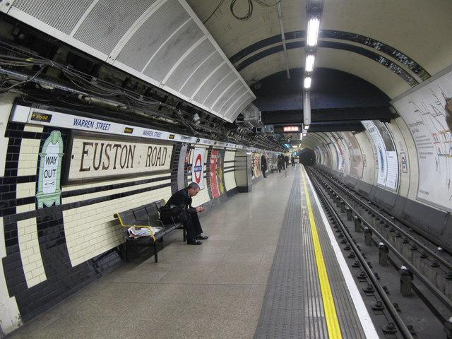 Euston Road tube station platform - geograph.org.uk - 1203685
