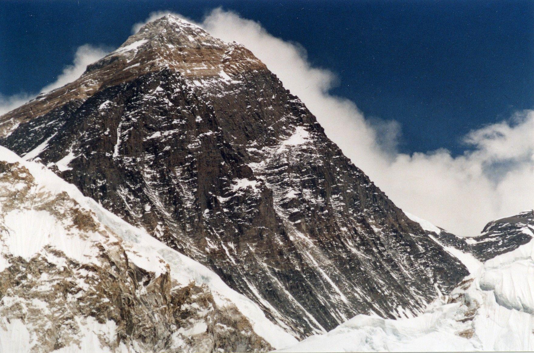 Everest fromKalarPatar