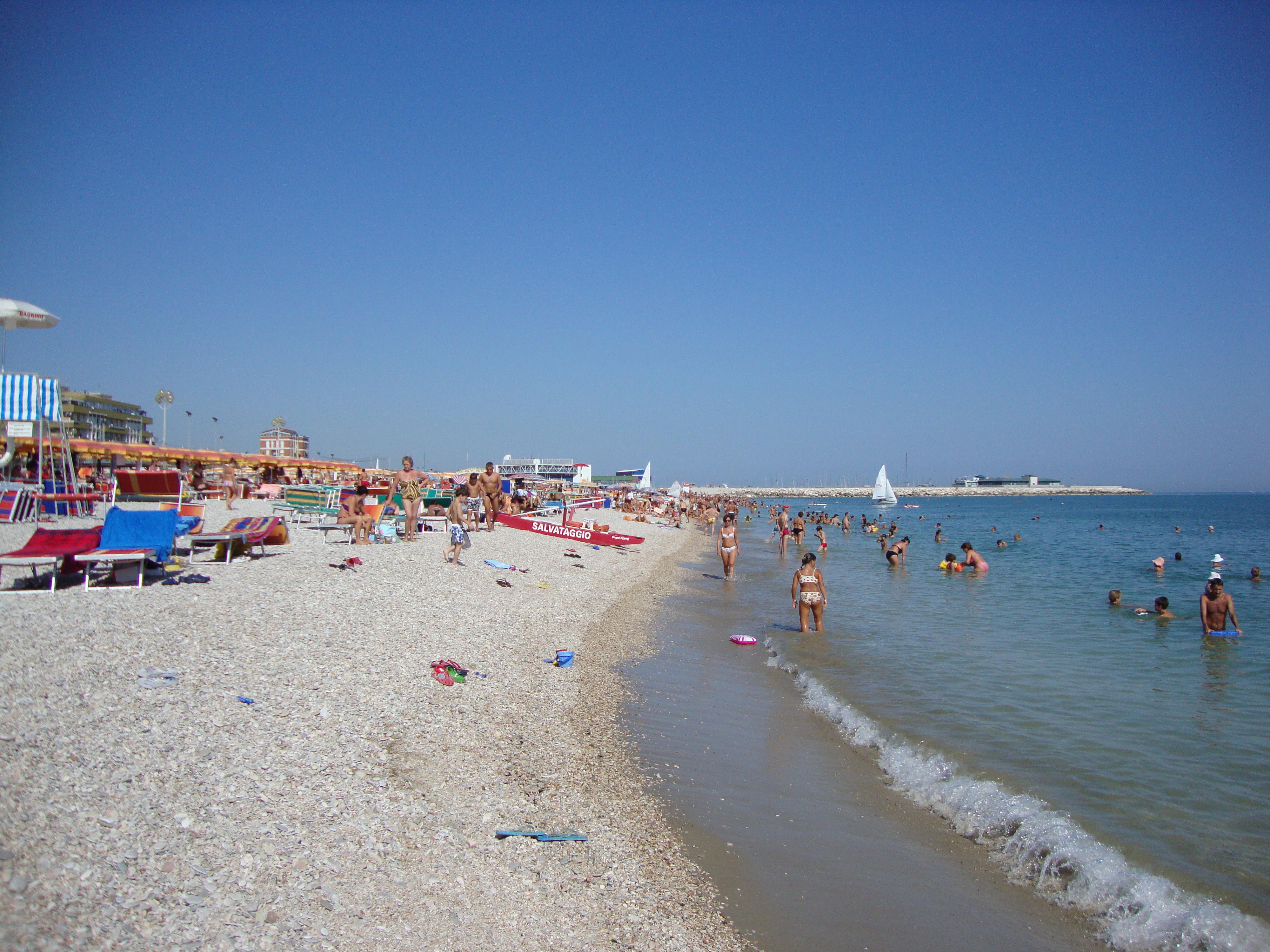 Fano Italy  city photos : Fano Beach Wikimedia Commons