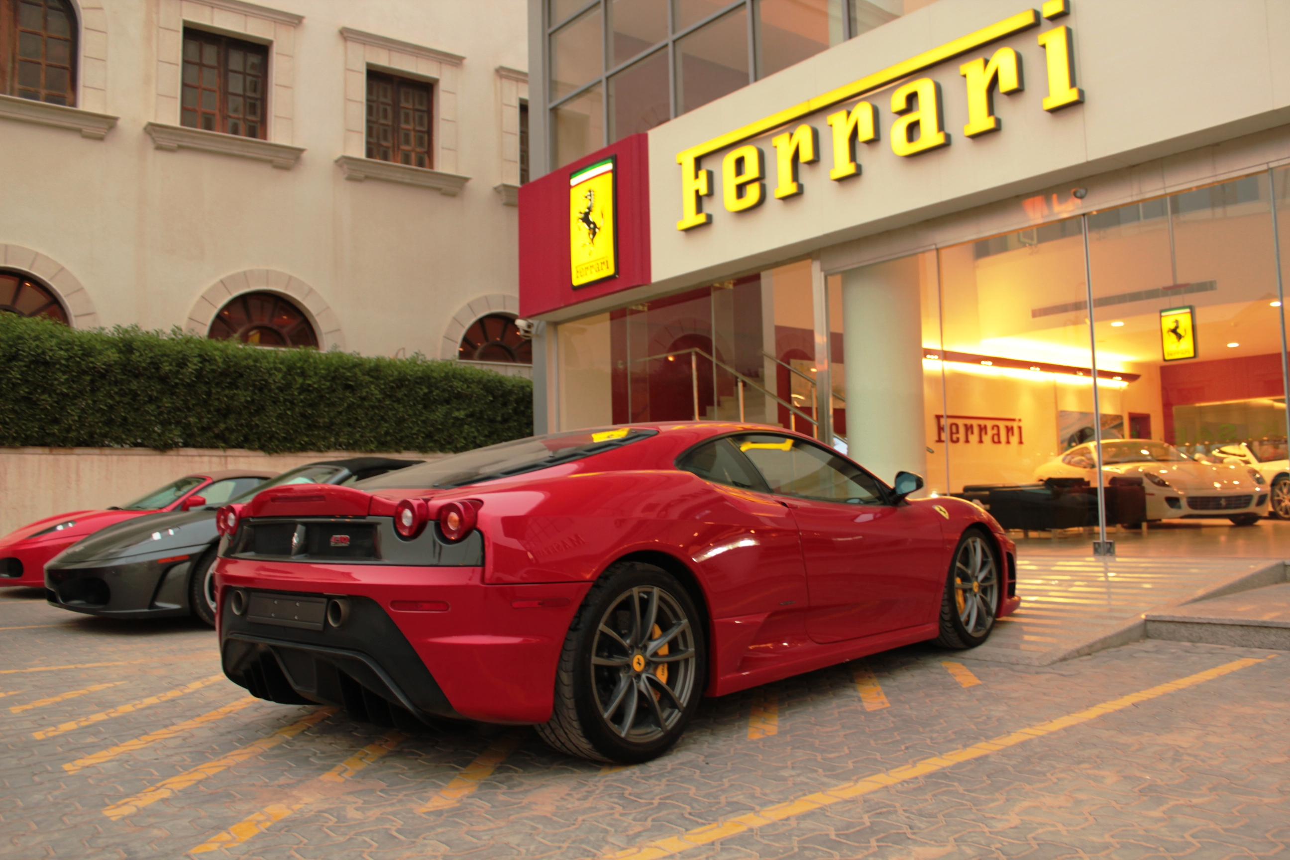 file ferrari 430 scuderia in riyadh ksa jpg wikimedia commons. Black Bedroom Furniture Sets. Home Design Ideas