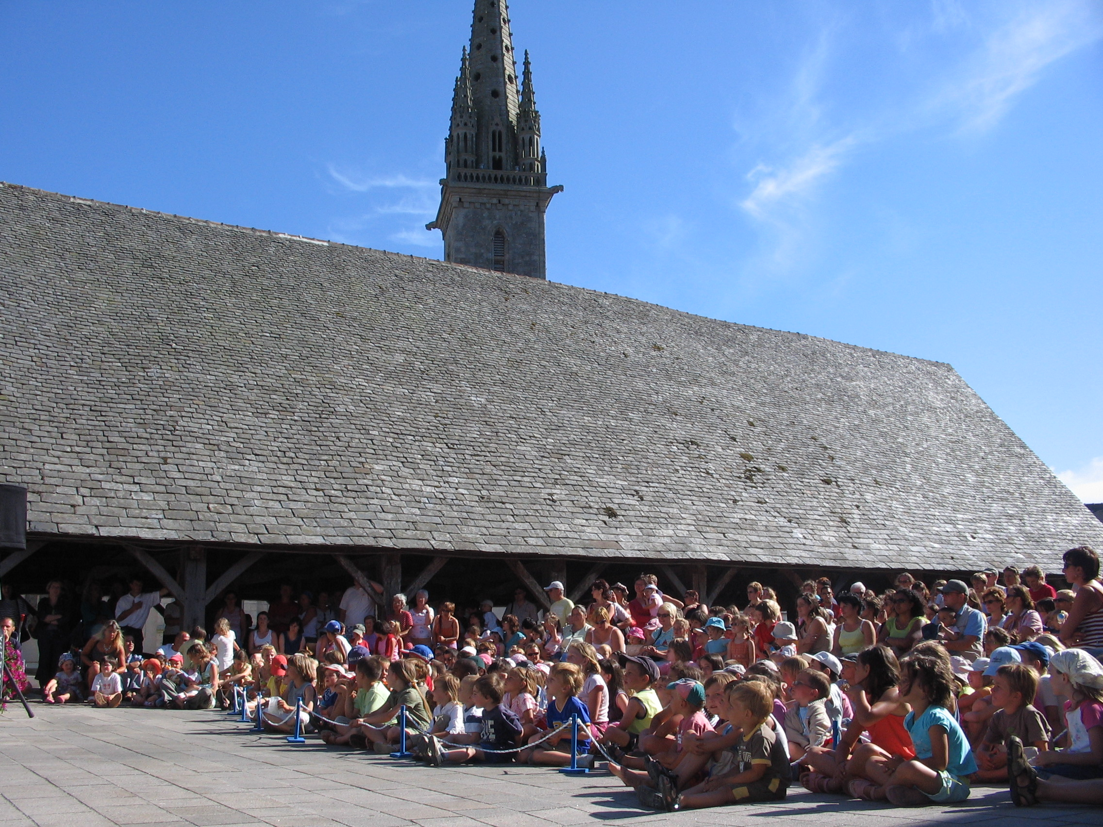 File festival place aux m mes wikimedia commons - Office tourisme plouescat ...