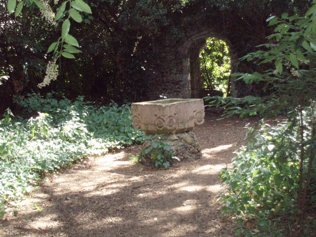 Font in Nowton Park - geograph.org.uk - 911590