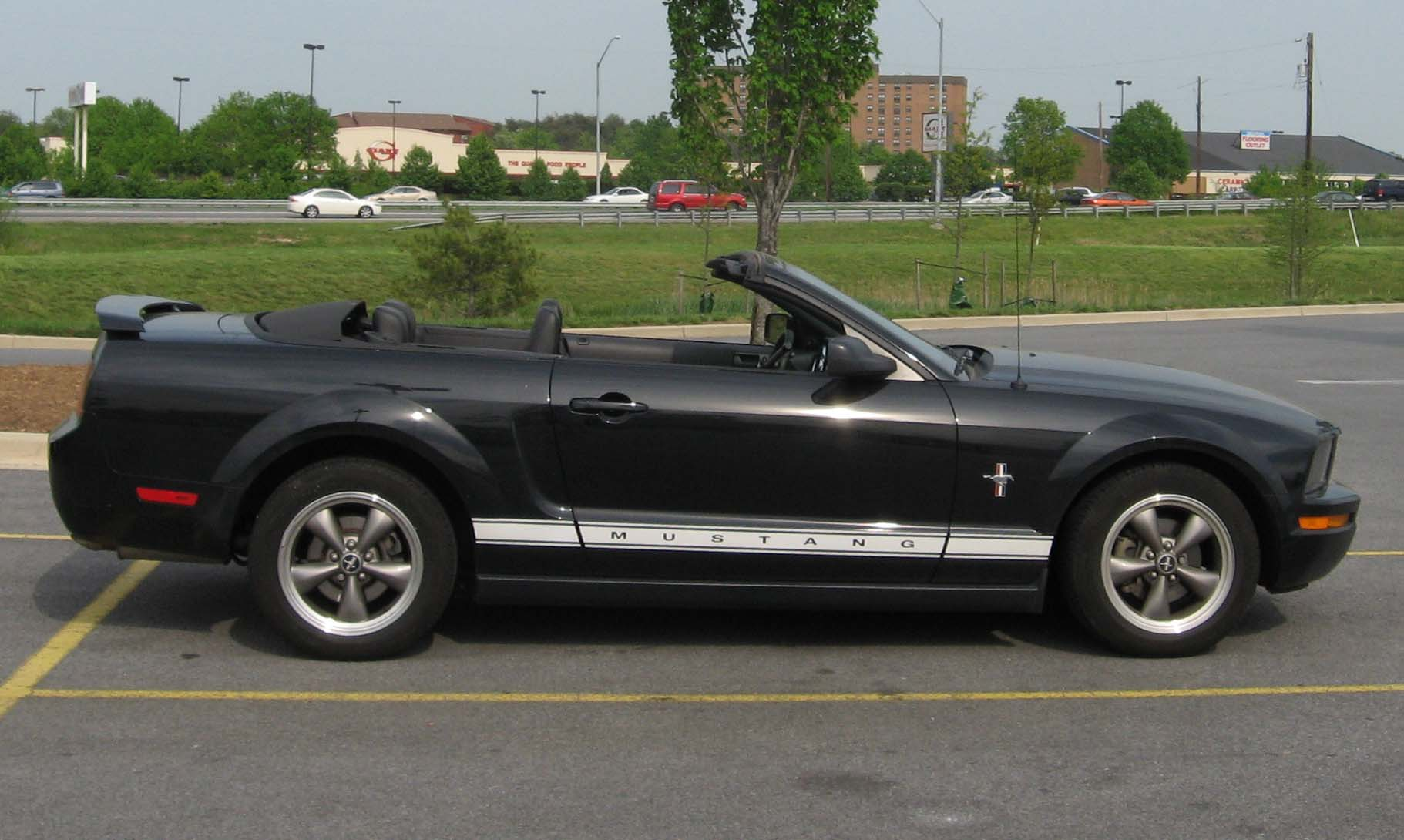 File Ford Mustang Pony Convertible Jpg Wikimedia Commons