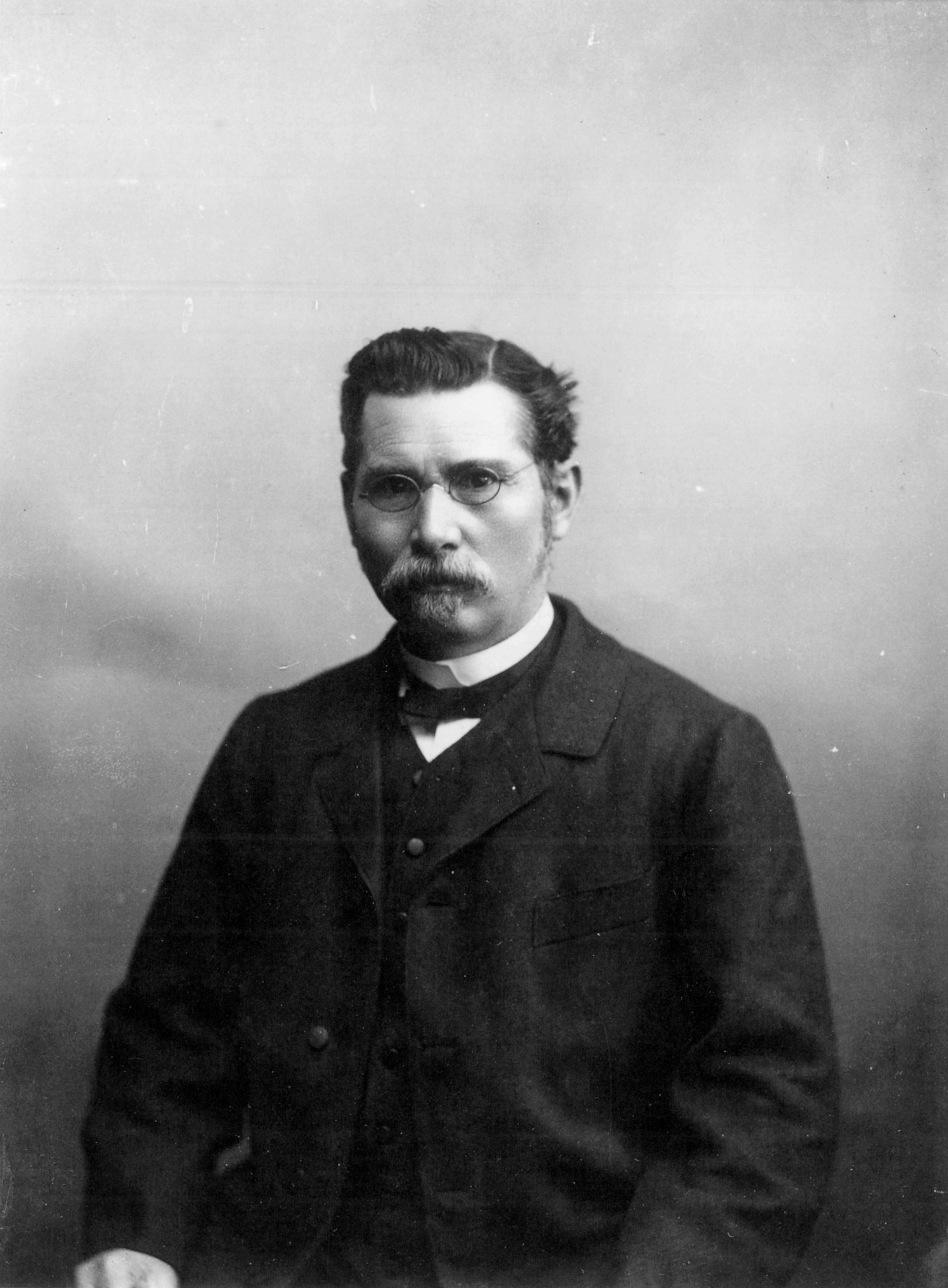 Image of Hermann Walter from Wikidata