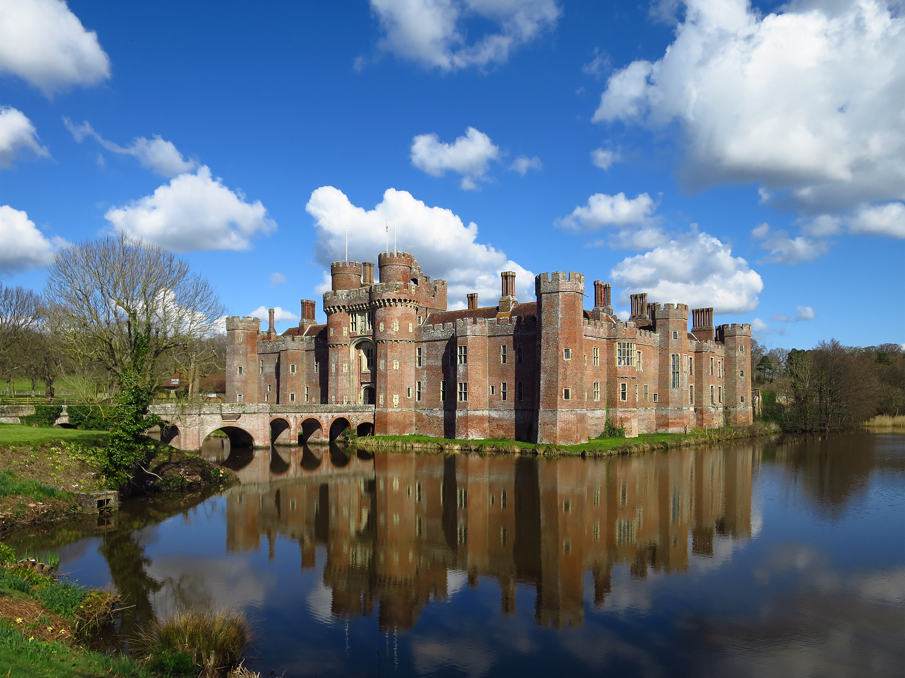 Herstmonceux Castle with moat.jpg