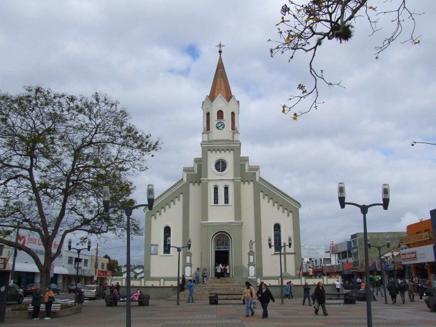 Catedral de São José dos Pinhais, localizada no centro da cidade c242f81f09