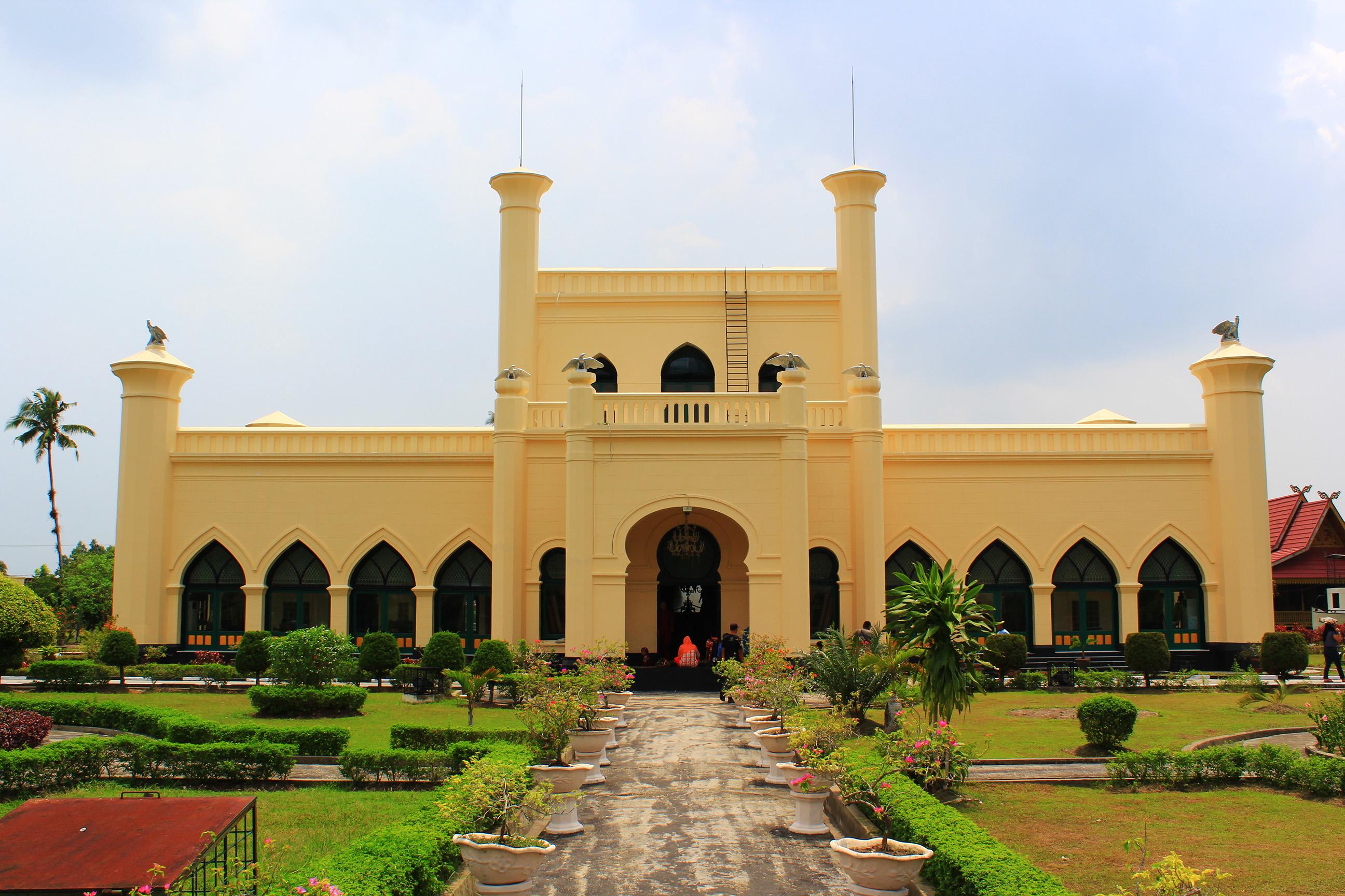 Fail Istana Kerajaan Siak 2 Bahasa Melayu