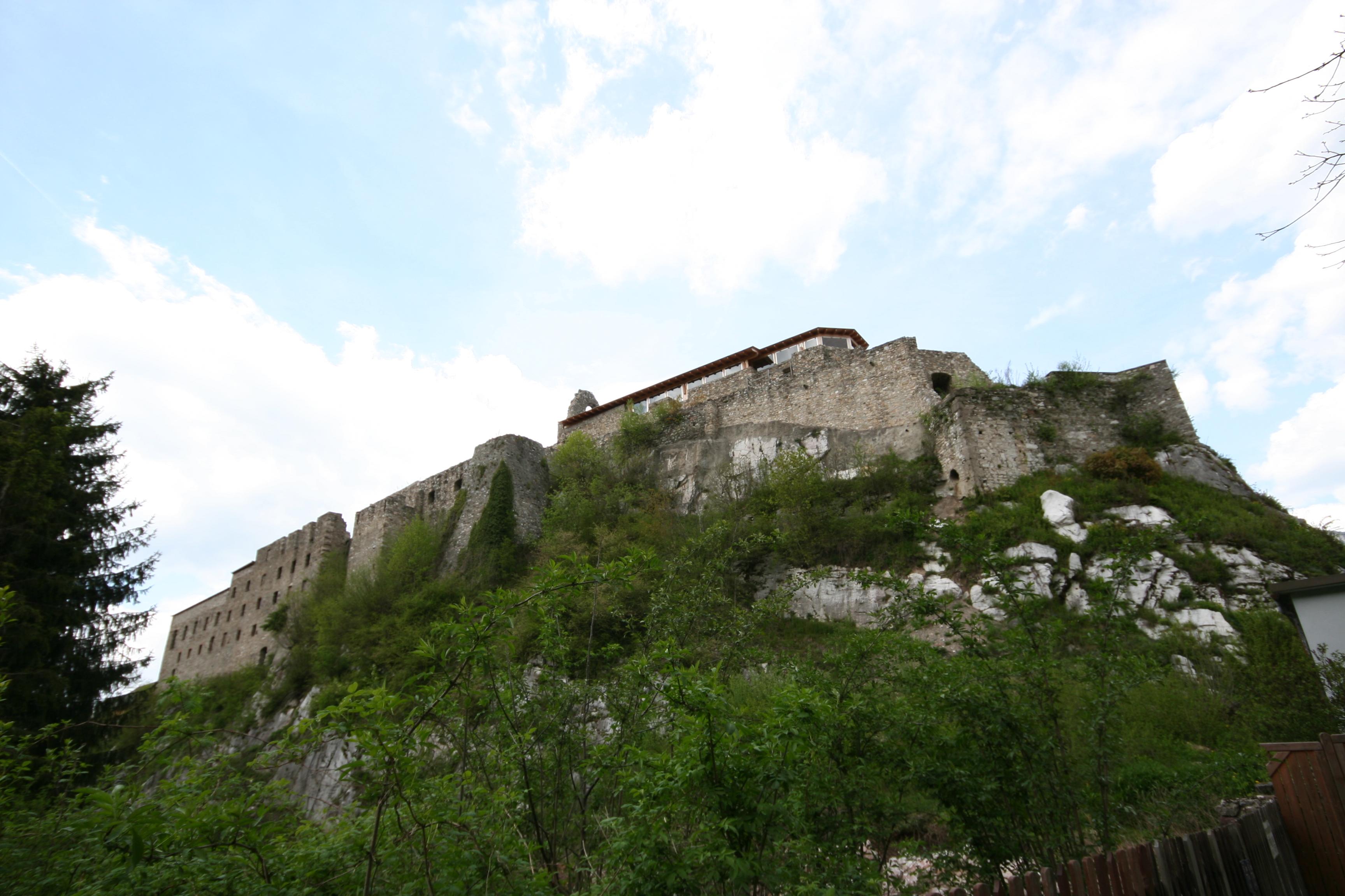 Klosterruine Arnoldstein - zarell.com