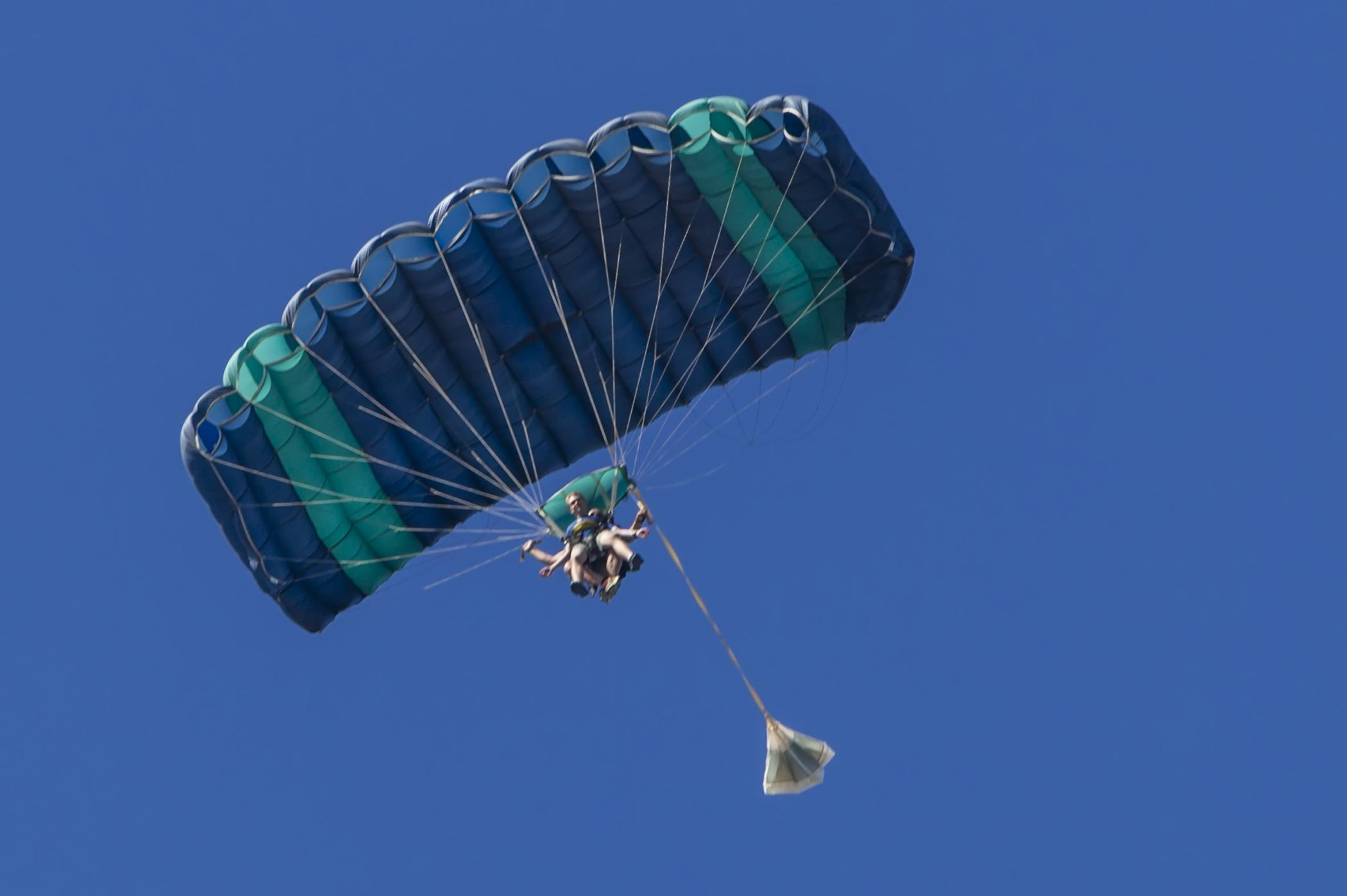 sporting ram-air parachute