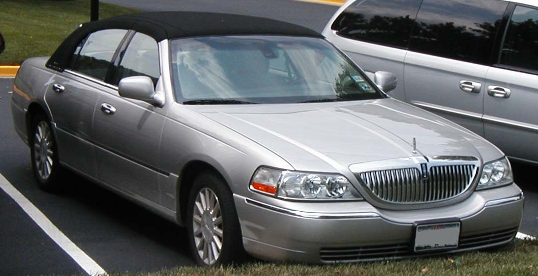 File Lincoln Town Car 1998 2 Jpg Wikimedia Commons
