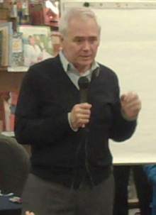 Brown at a [[Naperville, Illinois]] bookstore in April 2011.