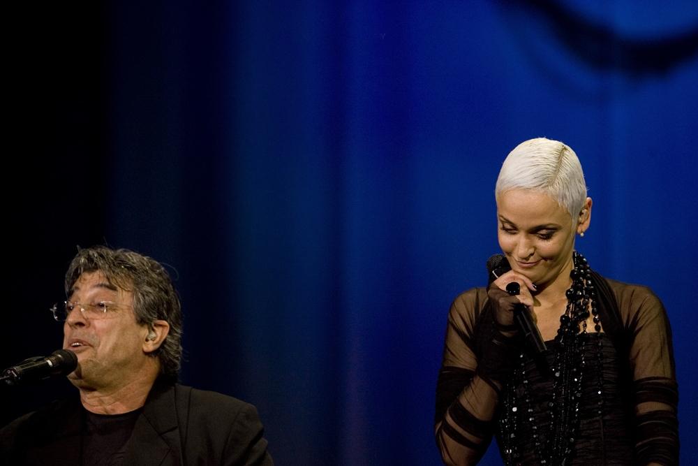Ivan Lins y la cantante mozambiqueña Mariza (2007).
