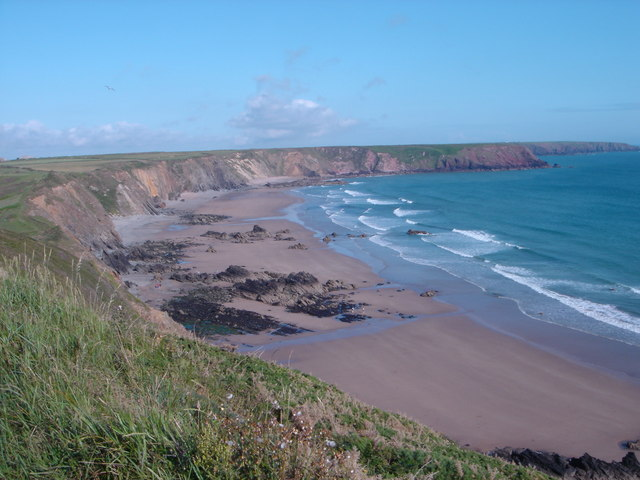 File:Marloes Sands from the top of the footpath - geograph.org.uk - 658216.jpg