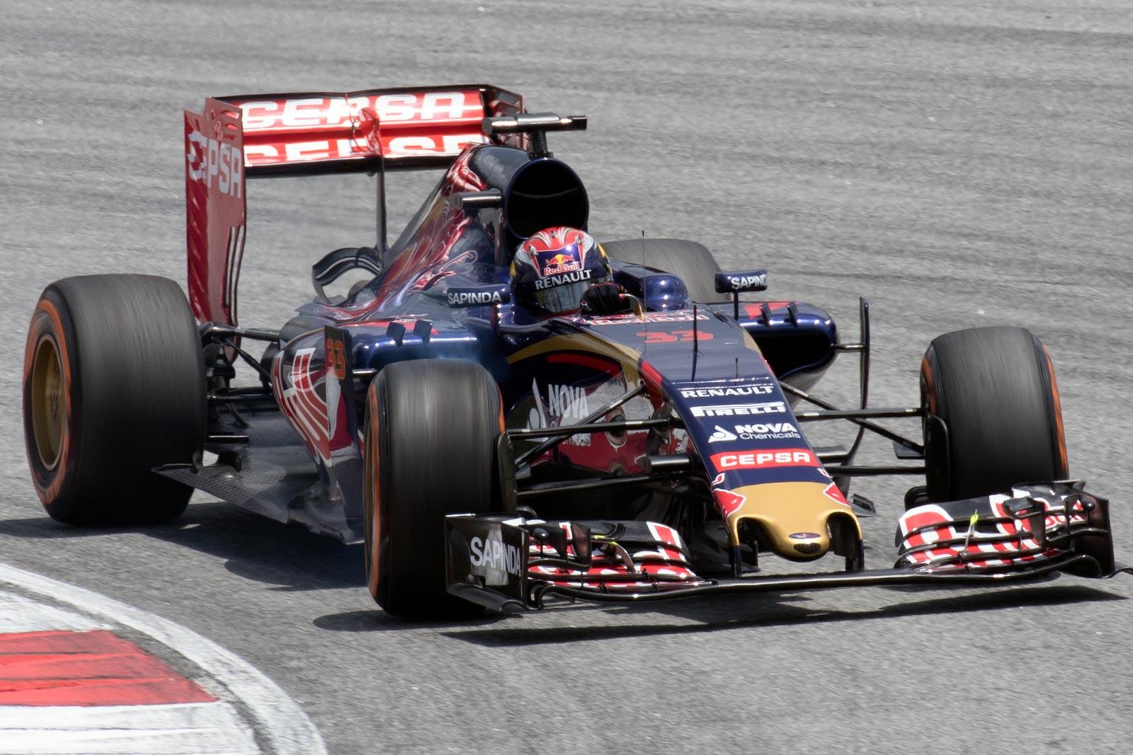 Scuderia Toro Rosso STR10 - Wikipedia