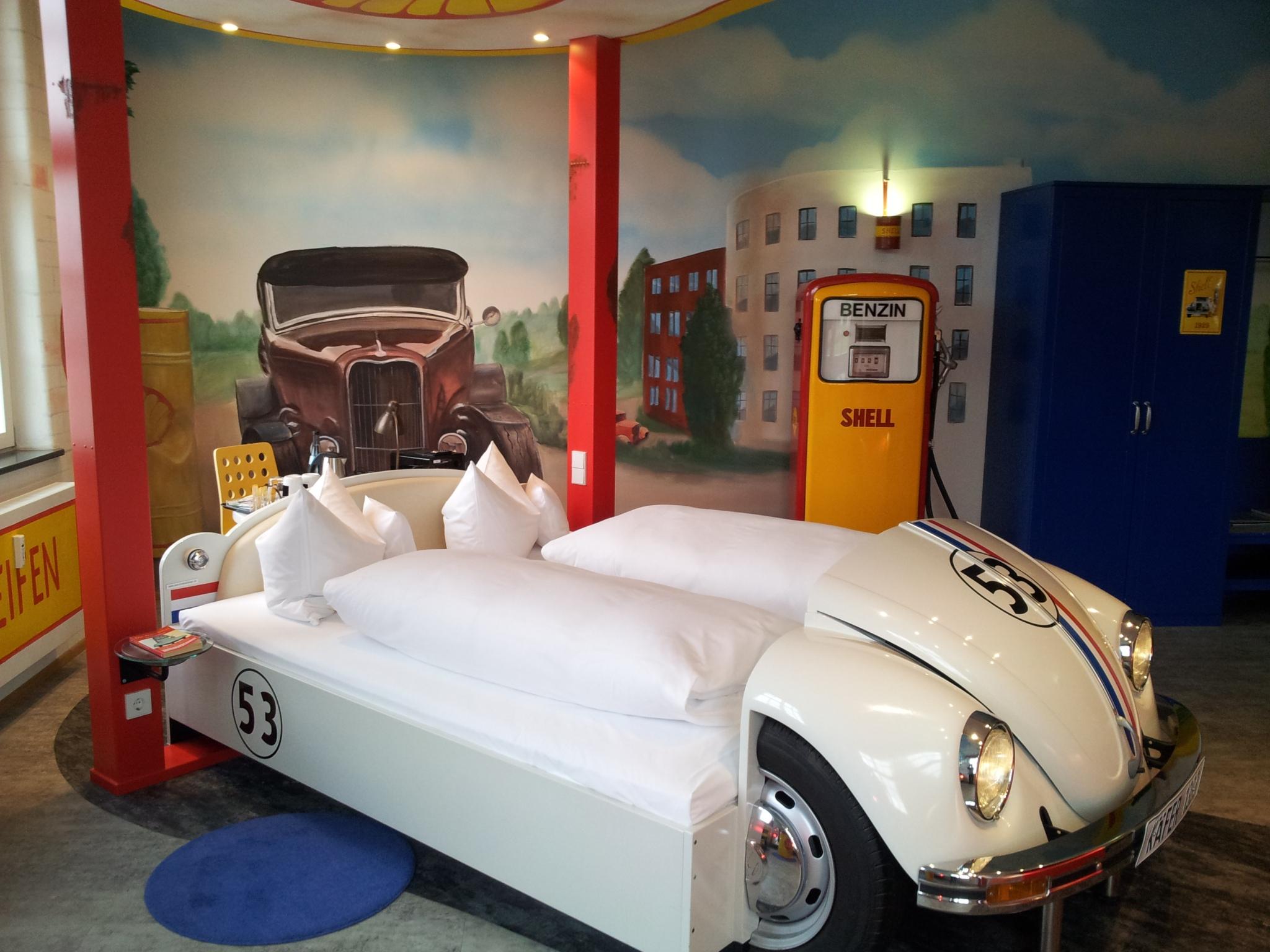 Motor City Hotel Rooms